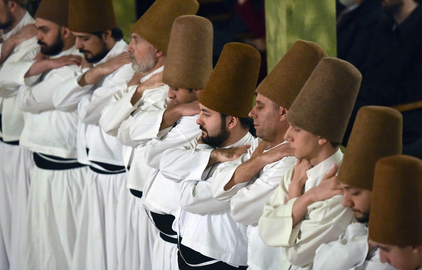 Soucieux de ne pas paraître belliqueux, on affirme, au sein du soufisme (le courant spirituel de l'islam), «n'être l'ennemi de personne».