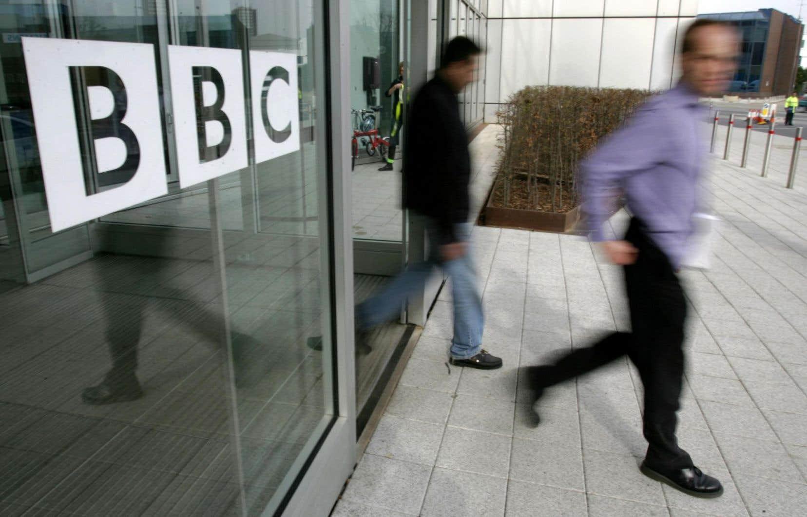 Ces annonces interviennent alors que la BBC a dû gérer ces derniers temps plusieurs coups durs pour son offre audiovisuelle.