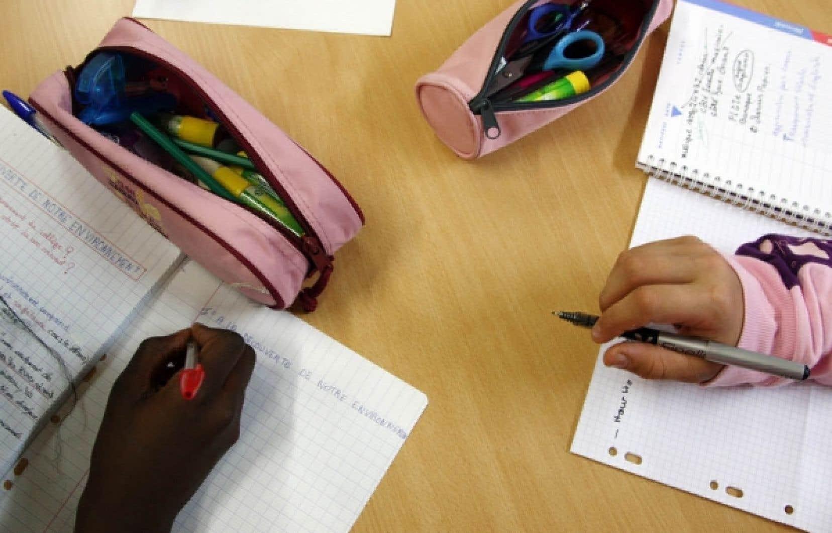 Selon le Conseil supérieur de l'éducation, il est de plus en plus difficile pour les parents d'aider leurs enfants dans la réalisation des devoirs.