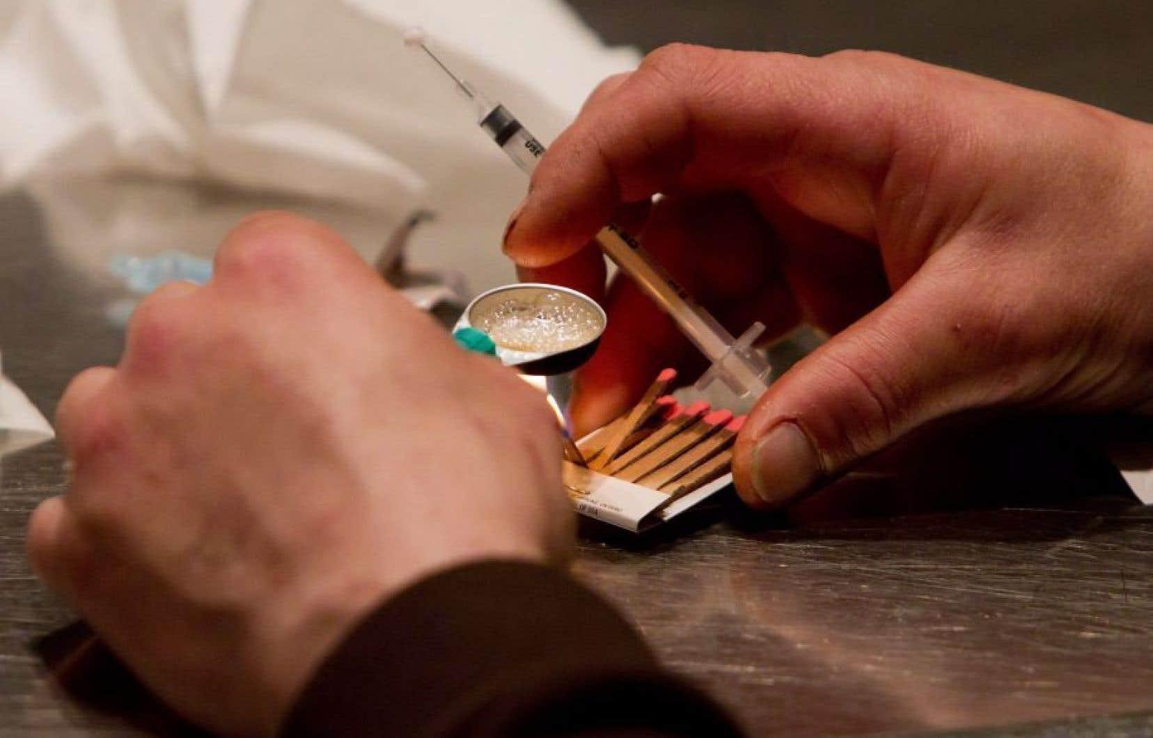 Les seringues pourraient être facilement utilisées comme armes.