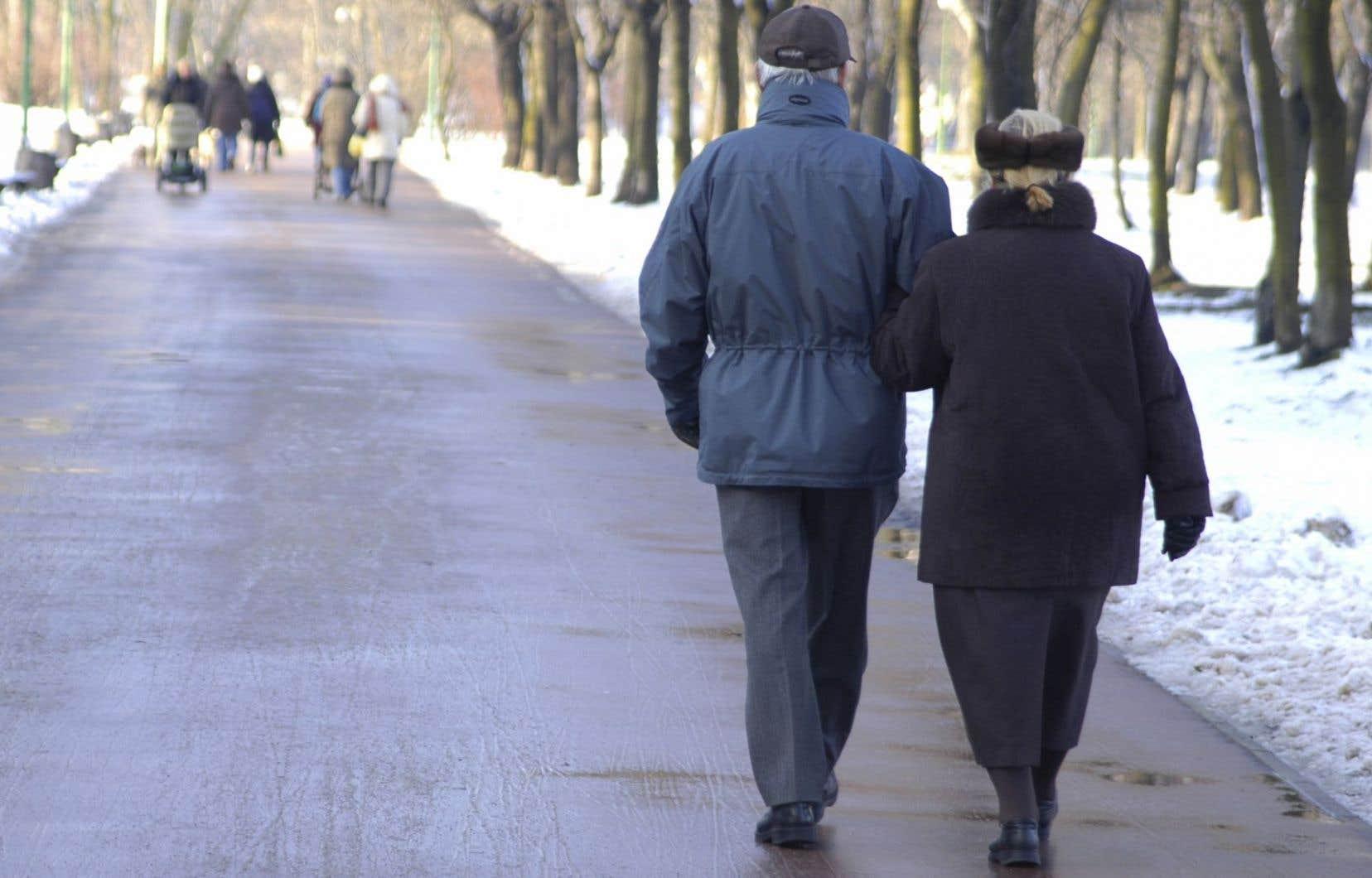 Le gouvernement du Québec souhaite également étudier l'option d'augmenter l'âge à partir duquel une personne peut se prévaloir d'une rente anticipée.