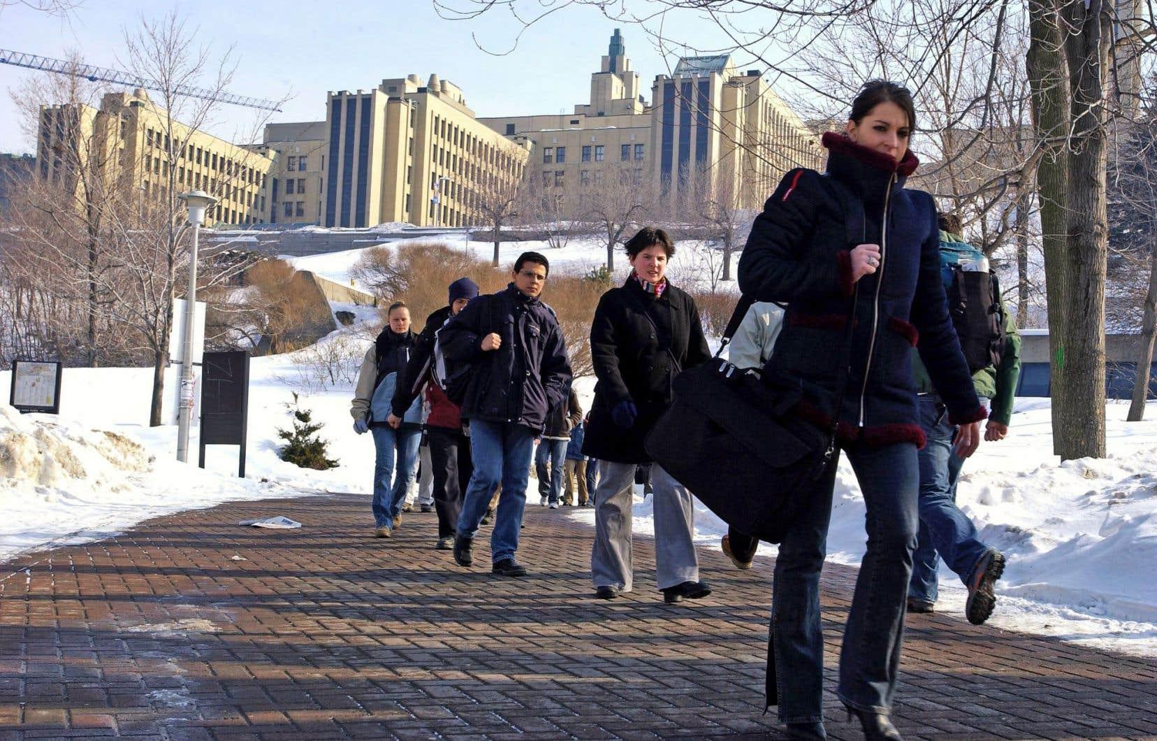 Des professeurs craignent que l'Université se mette au service des entreprises, au détriment de la liberté intellectuelle des professeurs et des étudiants.