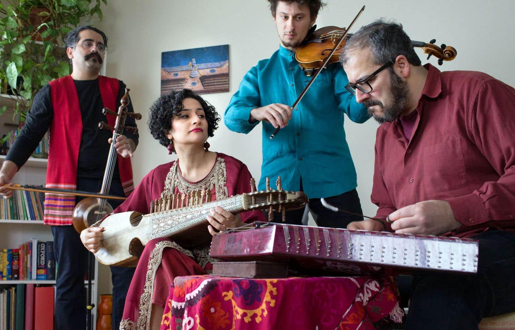 L'Ensemble Kamaan, venu d'Iran pour s'installer à Montréal, fait un lien entre la musique savante et celle des régions.