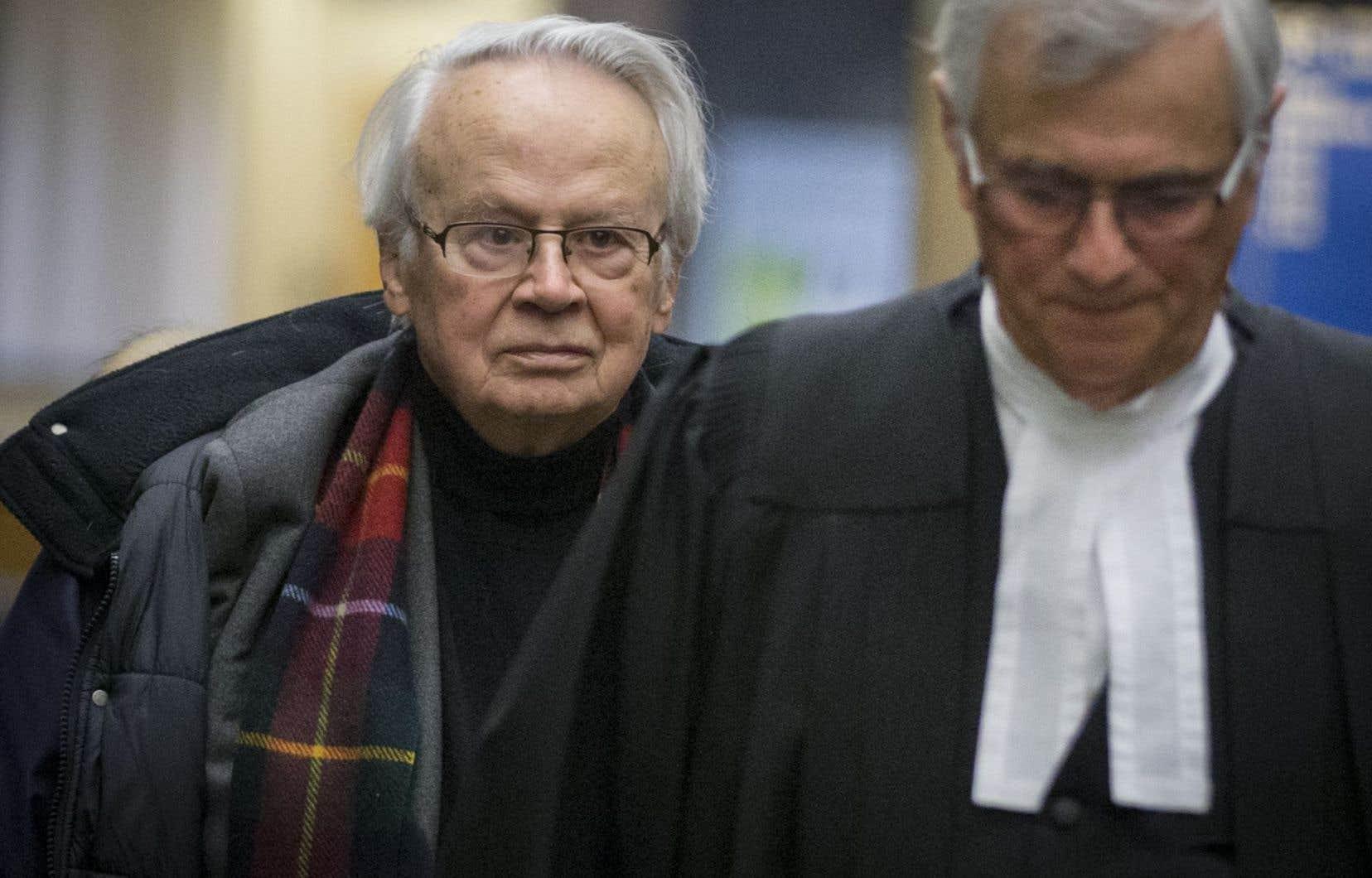 Jacques Corriveau (à gauche) n'a jamais pensé qu'il finirait sa vie dans une prison, a déclaré son avocat, Gérard Soulière (à droite).