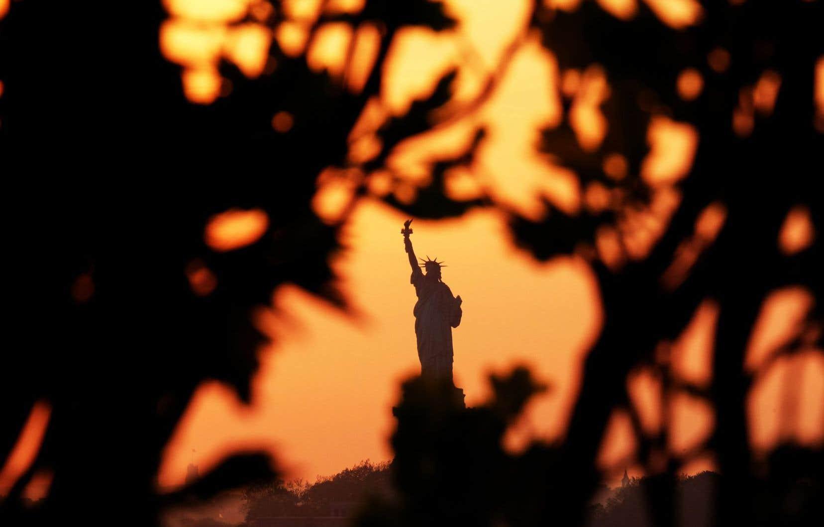 Le score démocratique des États-Unis a glissé de 8,05 à 7,98, ce qui signifie que la démocratie américaine est dorénavant considérée comme «défaillante».