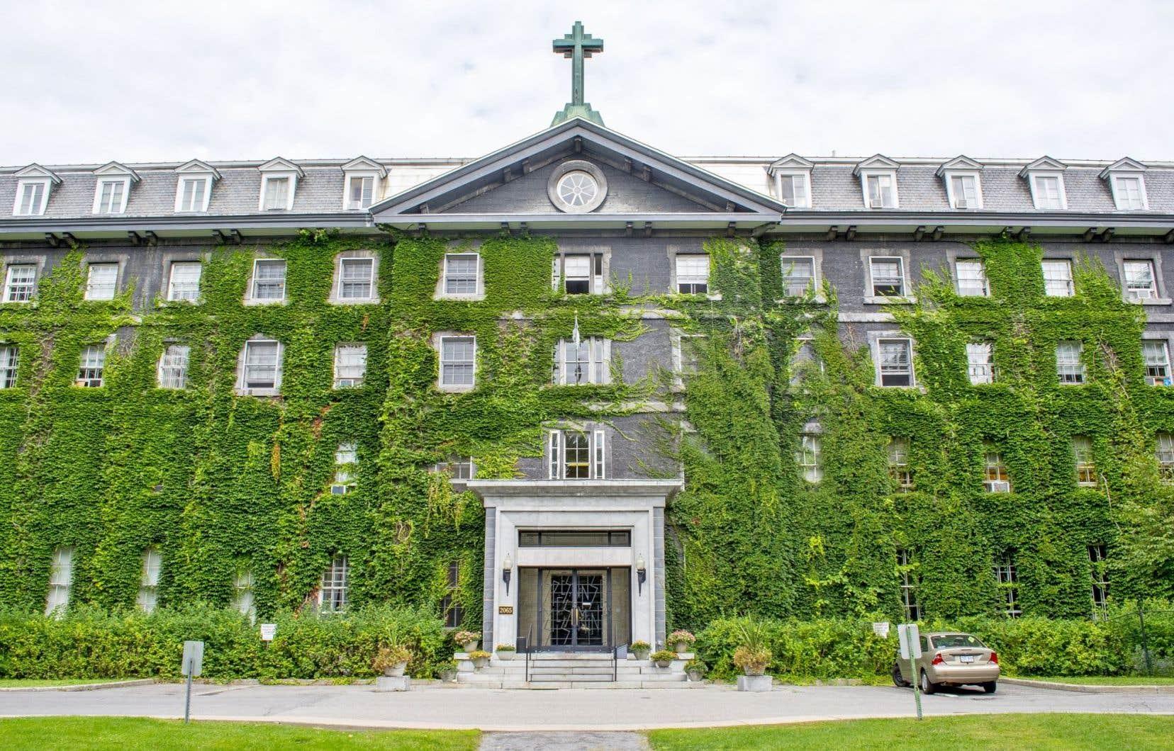 Le Grand Séminaire a été signé par l'architecte John Ostell et construit entre1854 et1857.