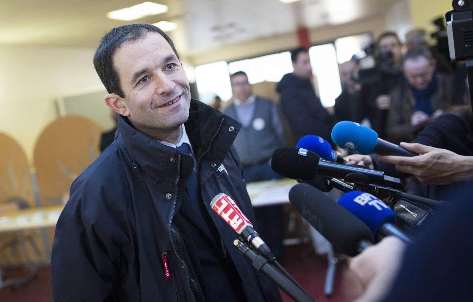 Révélation de la campagne des primaires devenu favori, Benoît Hamon a défendu sa proposition phare, celle d'un revenu universel garanti.