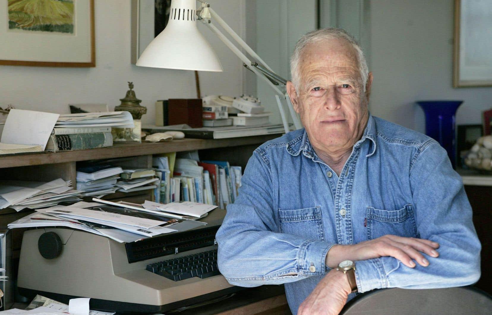 Selon James Salter, «être écrivain, c'est se condamner à toujours corriger».