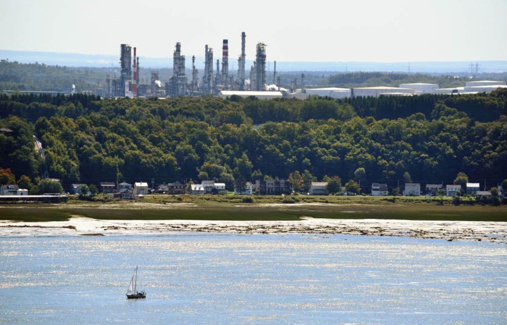 La raffinerie Valero, à Lévis, doit être un client du pipeline Énergie Est.