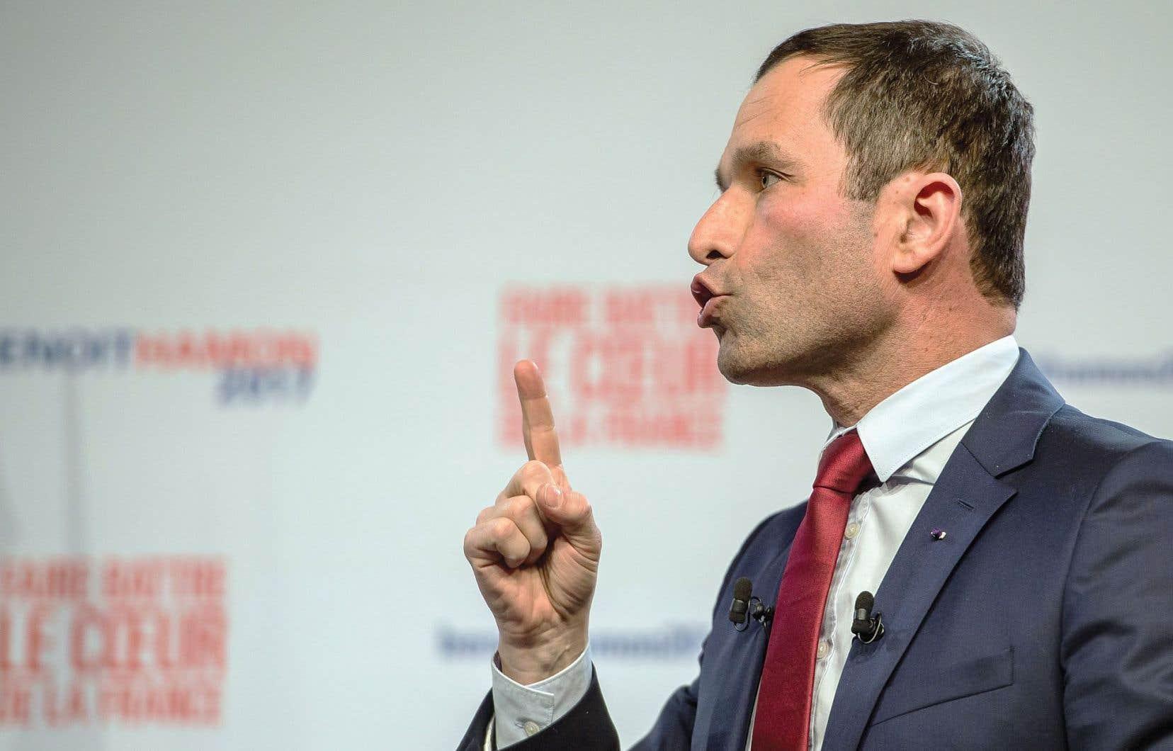 Benoît Hamon, l'un des candidats à la primaire de la gauche française, propose d'établir un revenu universel d'existence pour tous.