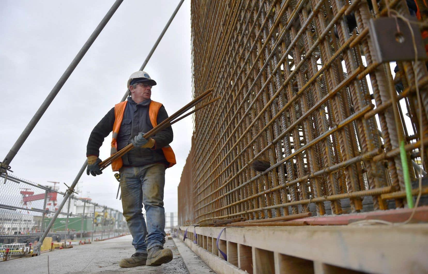 La «clause Molière» impose la connaissance du français sur les chantiers publics.