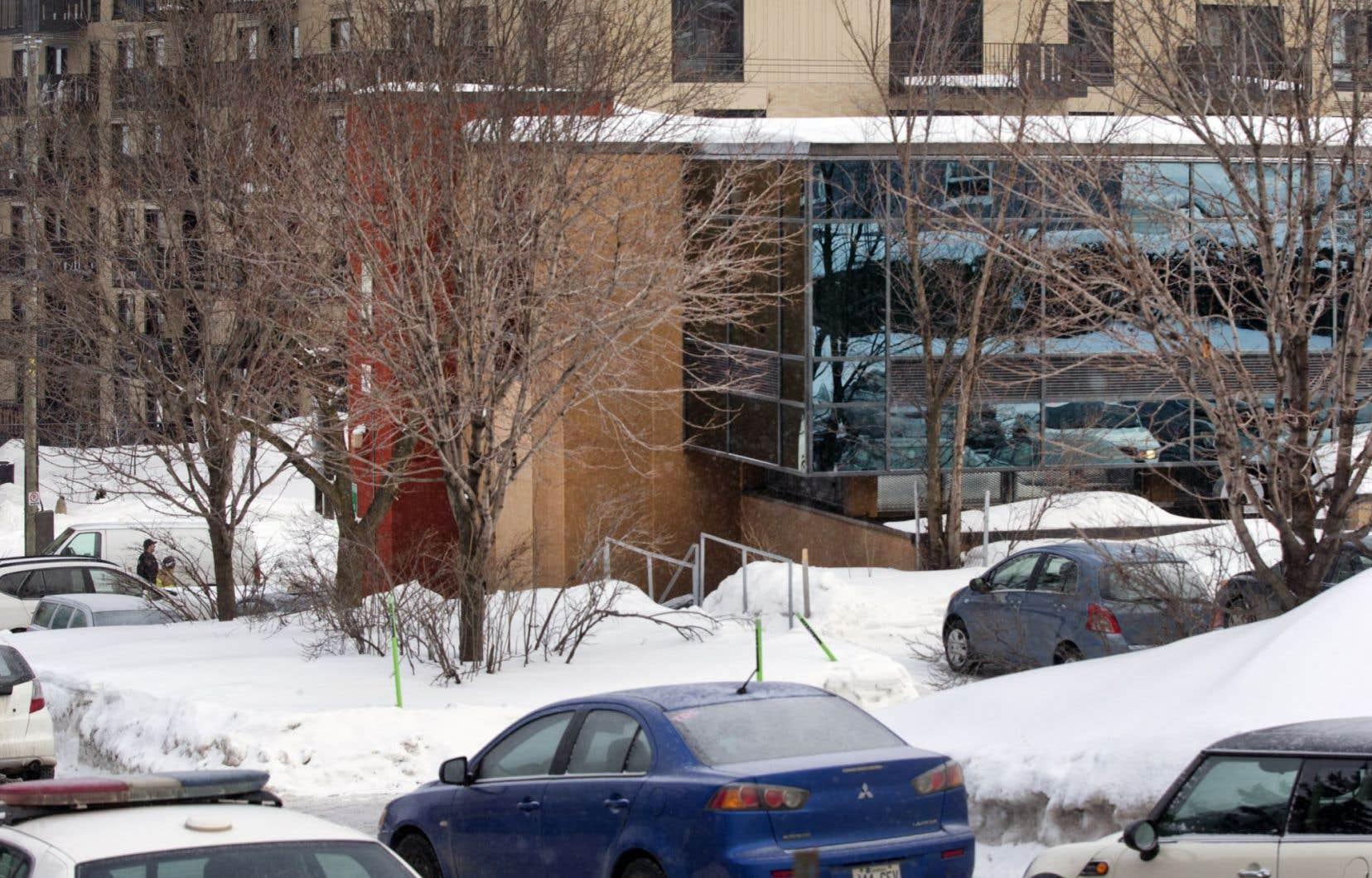 Les forces de l'ordre ont refusé de faire des conjectures sur le mobile des auteurs de la fusillade de la <em>«Grande mosquée de Québec».</em>