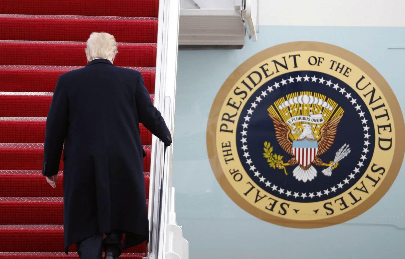 Le protectionnisme de Donald Trump obligera le gouvernement Couillard à multiplier les offensives auprès des États américains pour faire pression sur Washington, selon les auteurs.