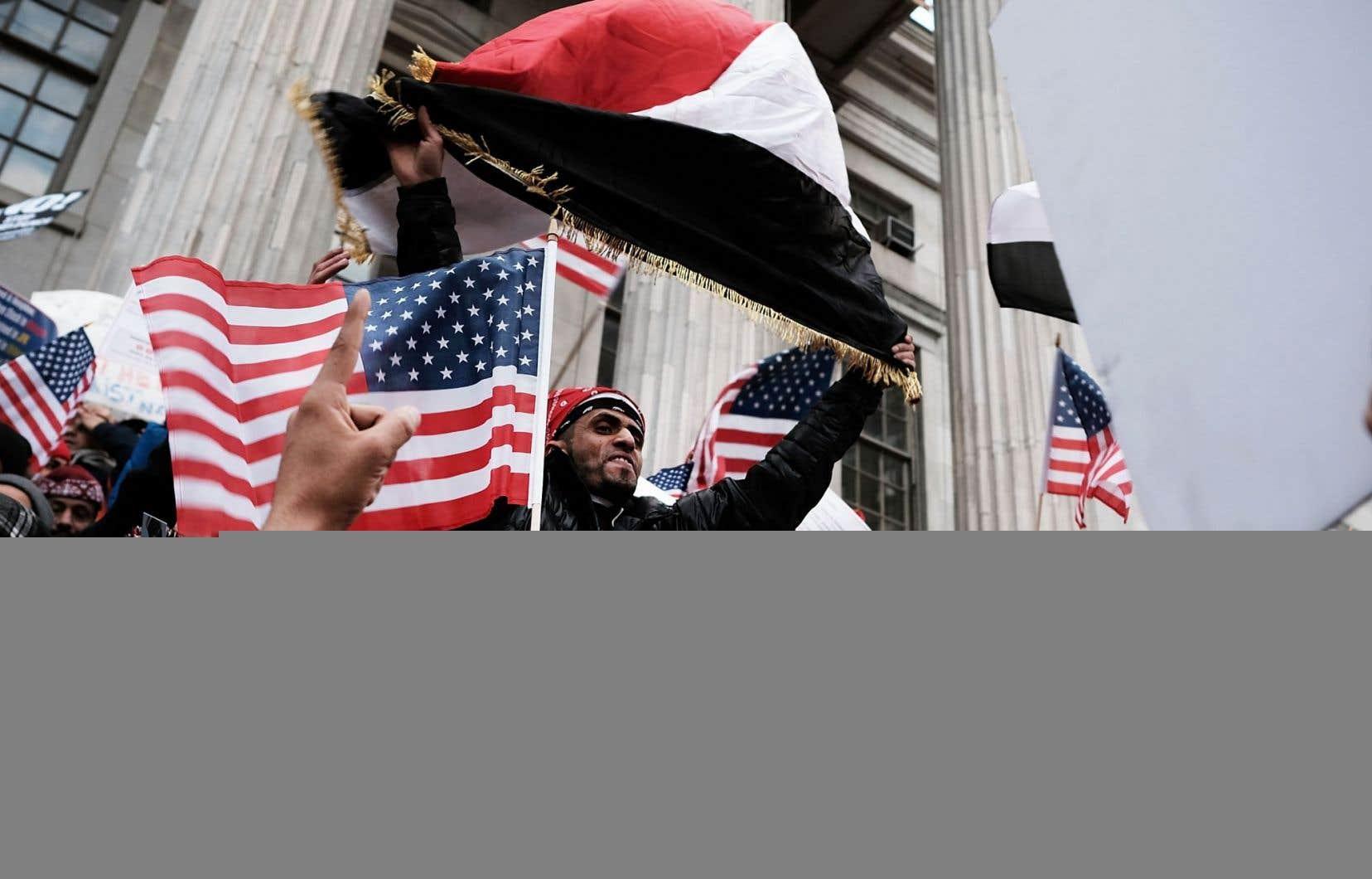 La mise en place du décret migratoire a déclenché des manifestations partout au pays, notamment à Brooklyn, jeudi.