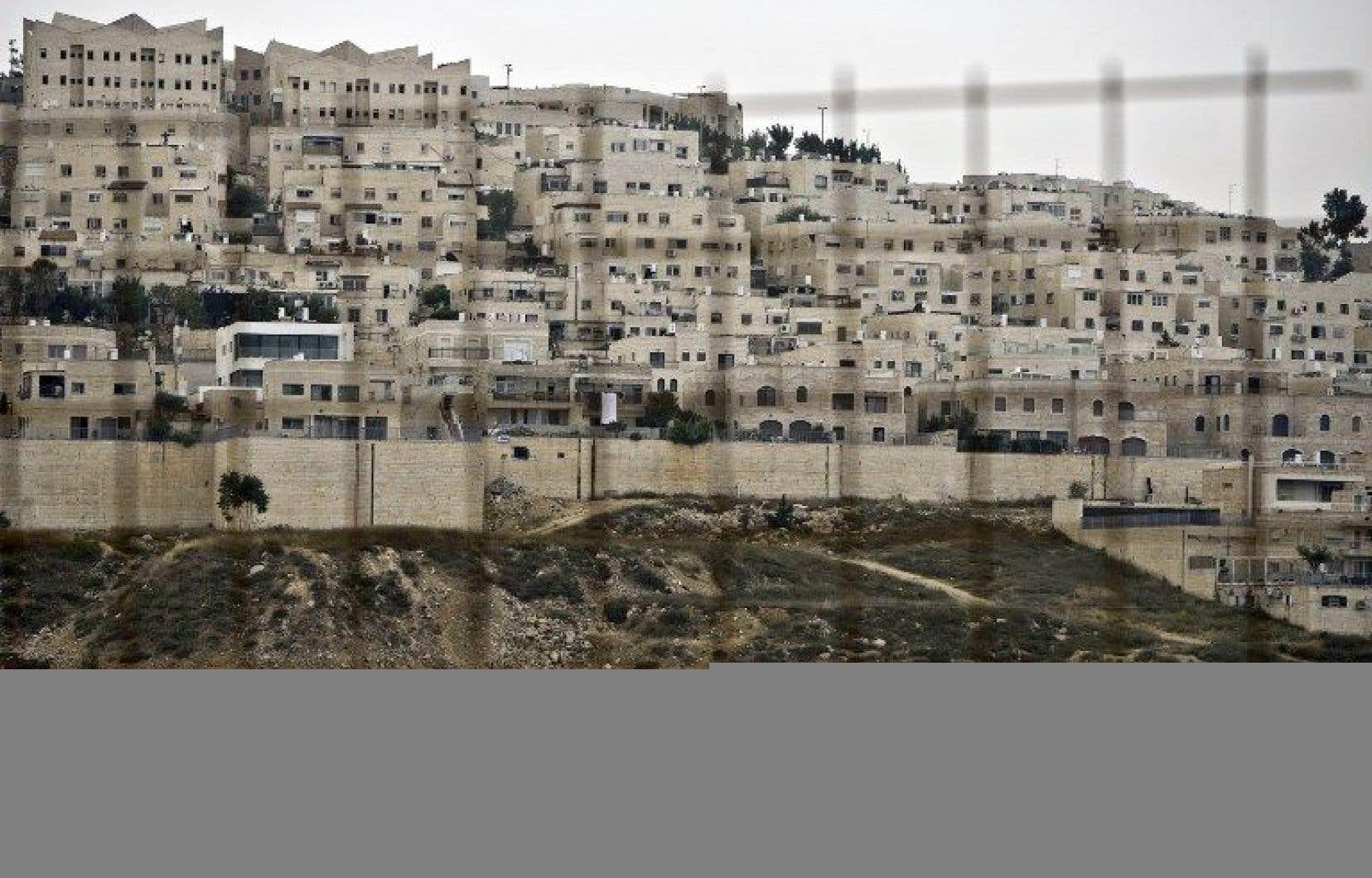 La loi permet à l'État de déclarer terres israéliennes des terrains privés palestiniens sur lesquels des Israéliens ont construit sans autorisation en Cisjordanie occupée.