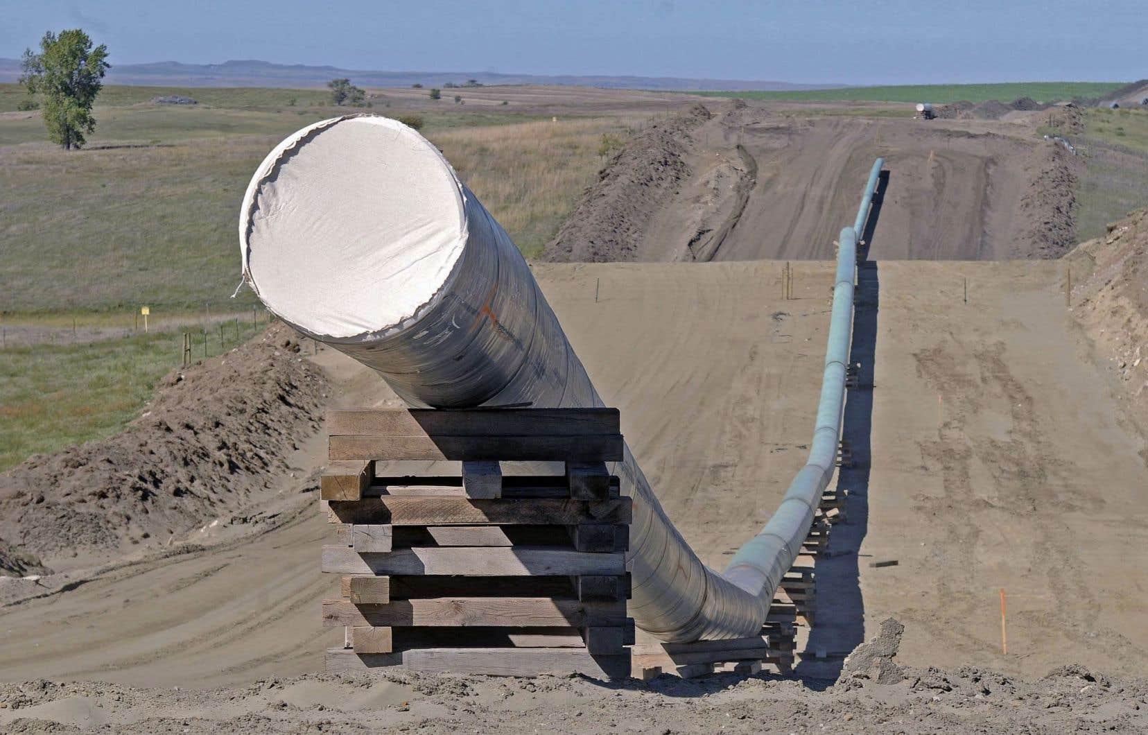 Le pipeline Dakota Access Pipeline, encore inachevé, doit traverser quatre États américains sur 1886 kilomètres.