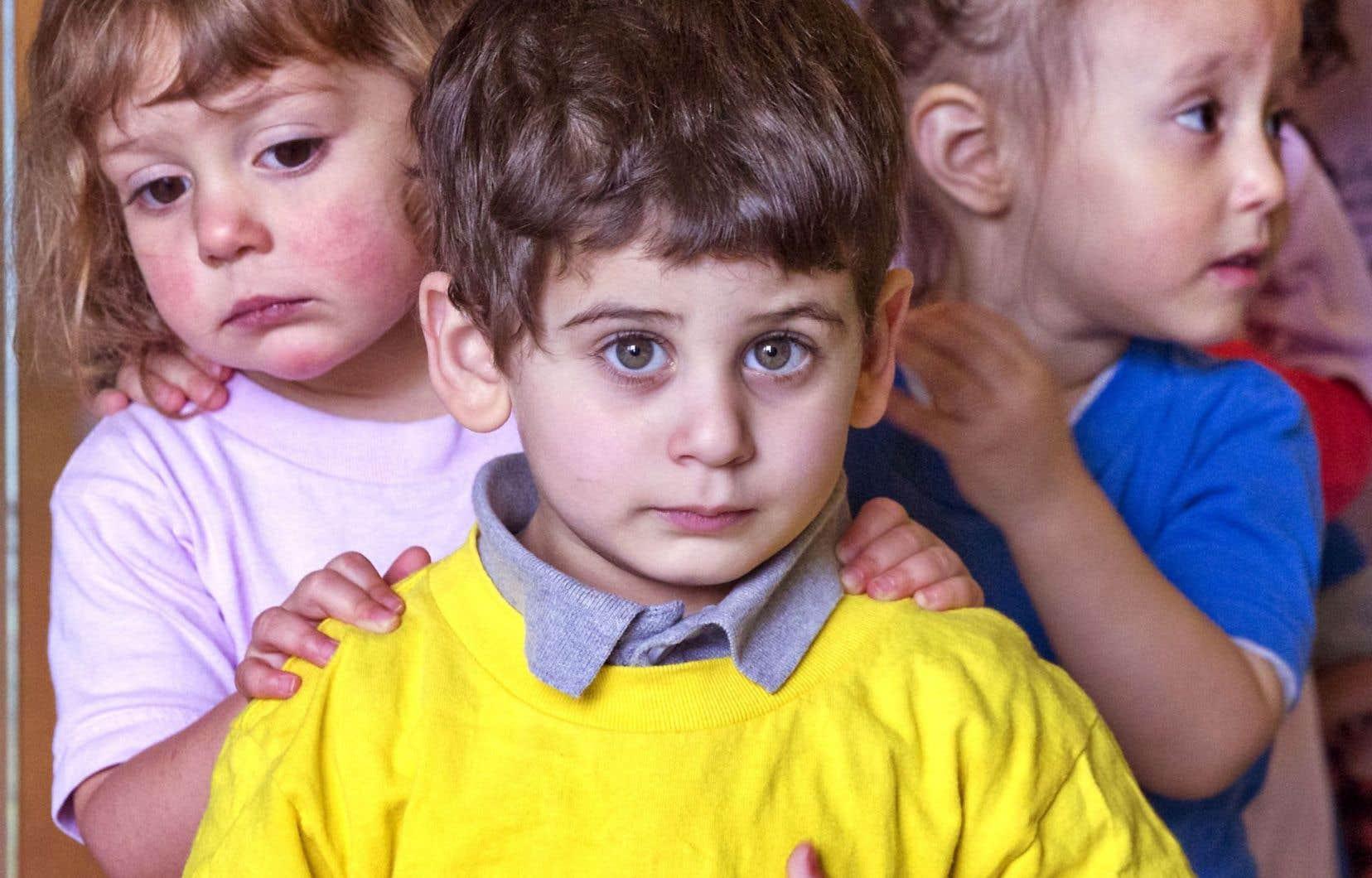 8000 enfants de quatreans seraient admissibles chaque année, mais en 2015, ils n'étaient encore que 1000 à fréquenter l'école.