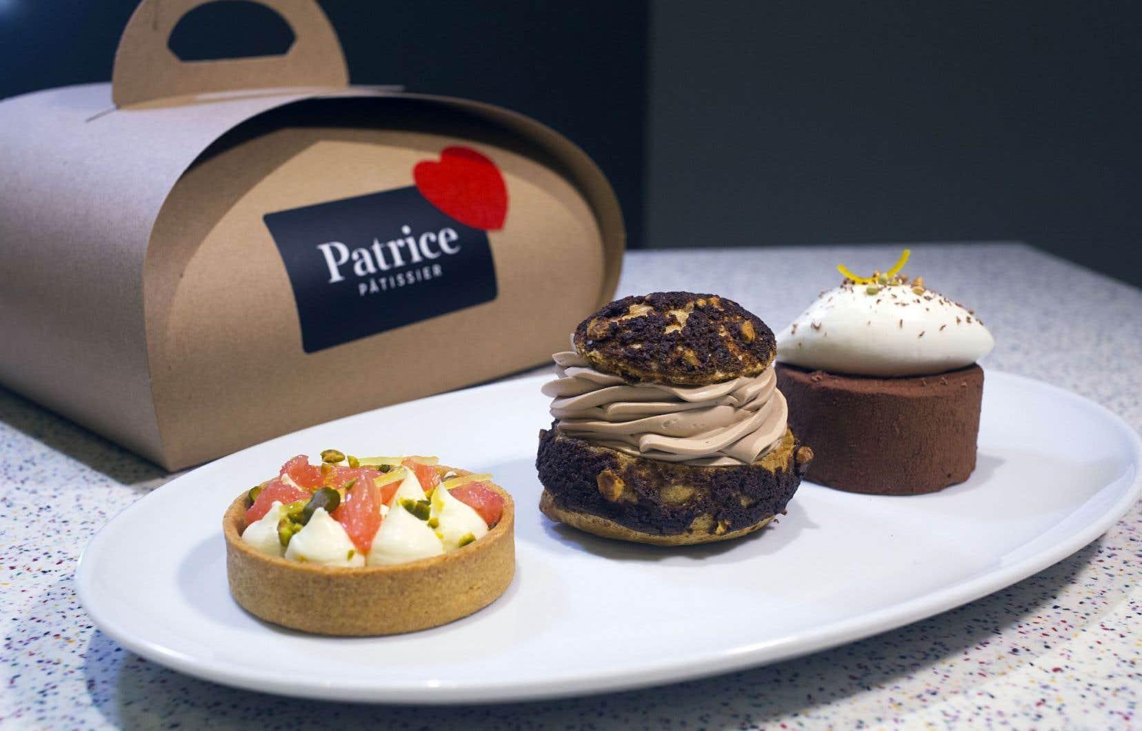Le trio St-Valentin de Patrice Demers: une tartelette agrumes, pistaches et chocolat blanc, un chou au chocolat Azélia, noisettes et café St-Henri et une mousse au chocolat Alpaco, sarrasin et miel.