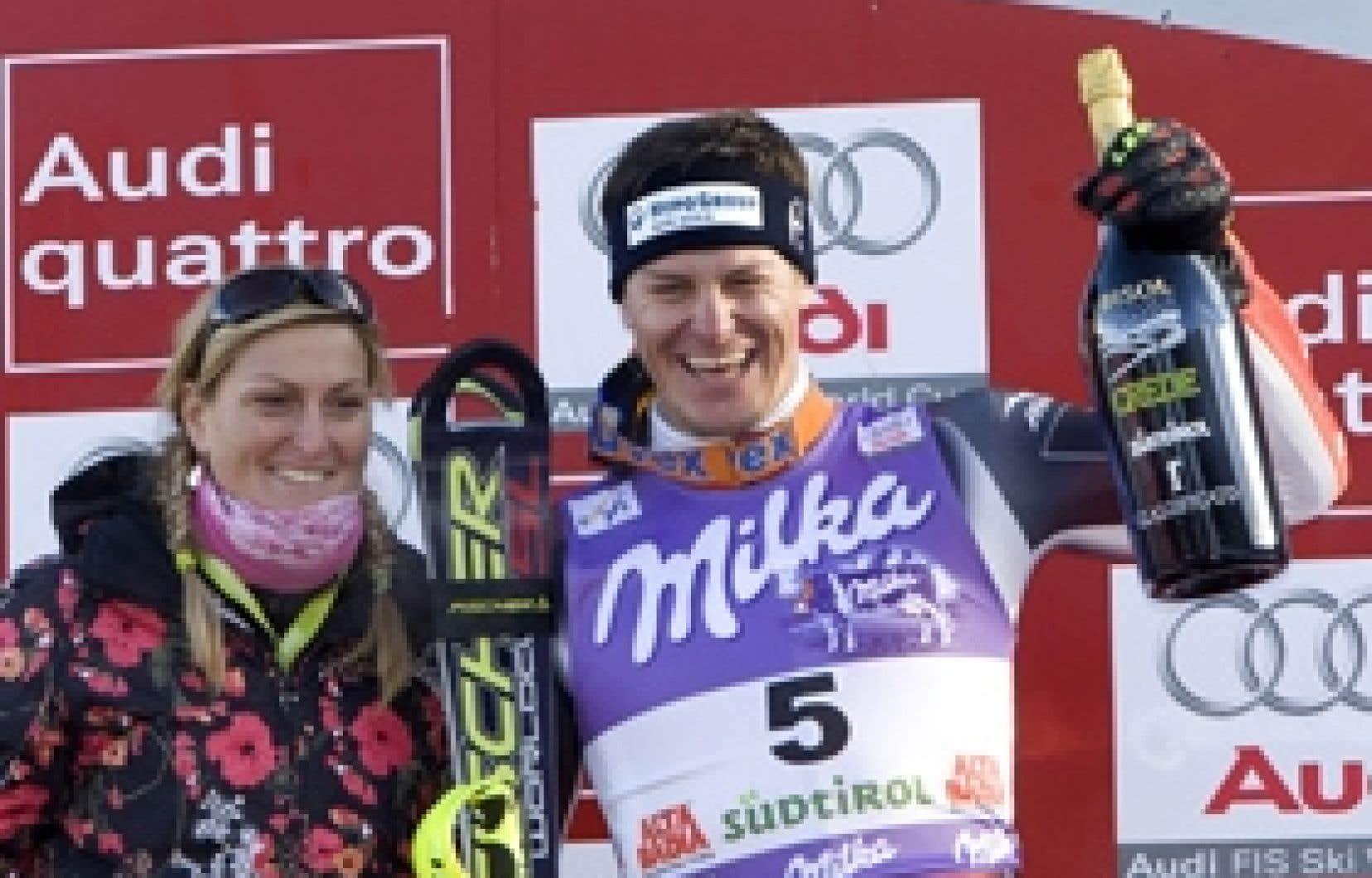 En étendant son domaine au super-G et à la descente, Ivica Kostelic a finalement parcouru le même chemin que sa soeur cadette Janica (à gauche), ex-ogresse du circuit féminin, d'ailleurs présente à Alta Badia.