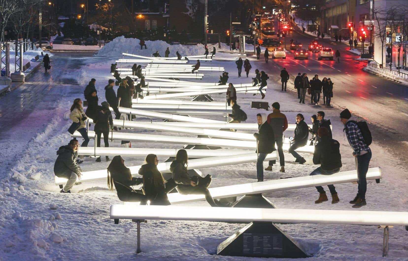 Installation interactive dans le Quartier des spectacles, à Montréal