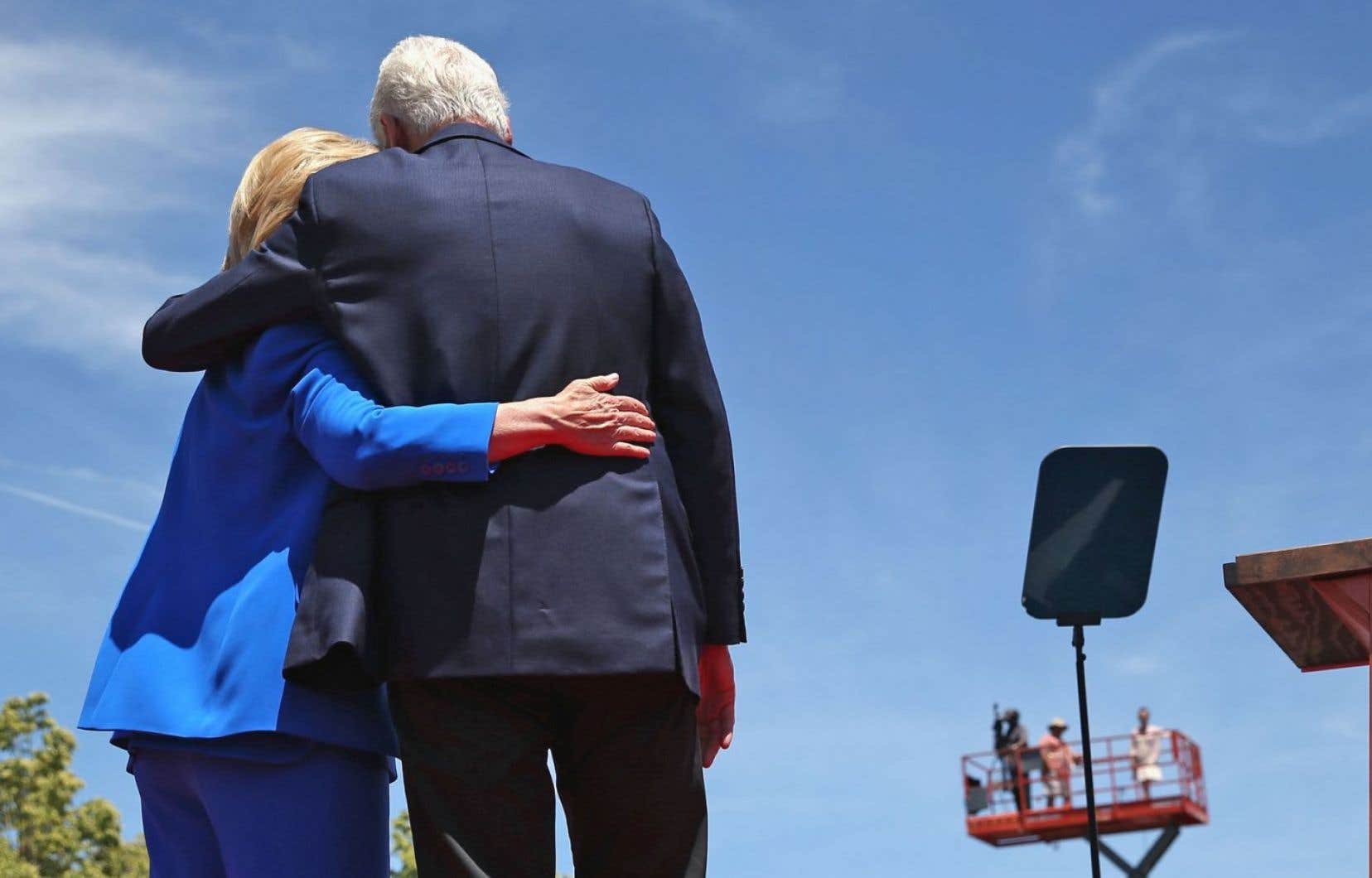 Hillary Clinton, Anne Sinclair et Melania Trump ont témoigné par leur présence de la probité de leur célèbre époux, Bill Clinton, Dominique Strauss-Kahn et Donald Trump.