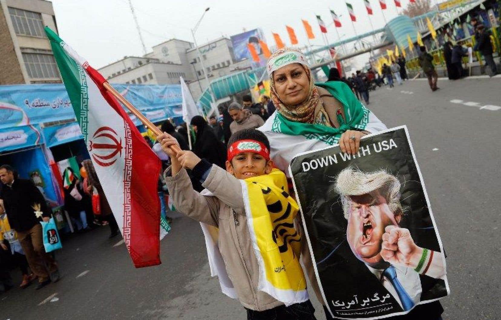Des millions d'Iraniens sont descendus dans les ruespour marquer le 38eanniversaire de la révolution islamique.
