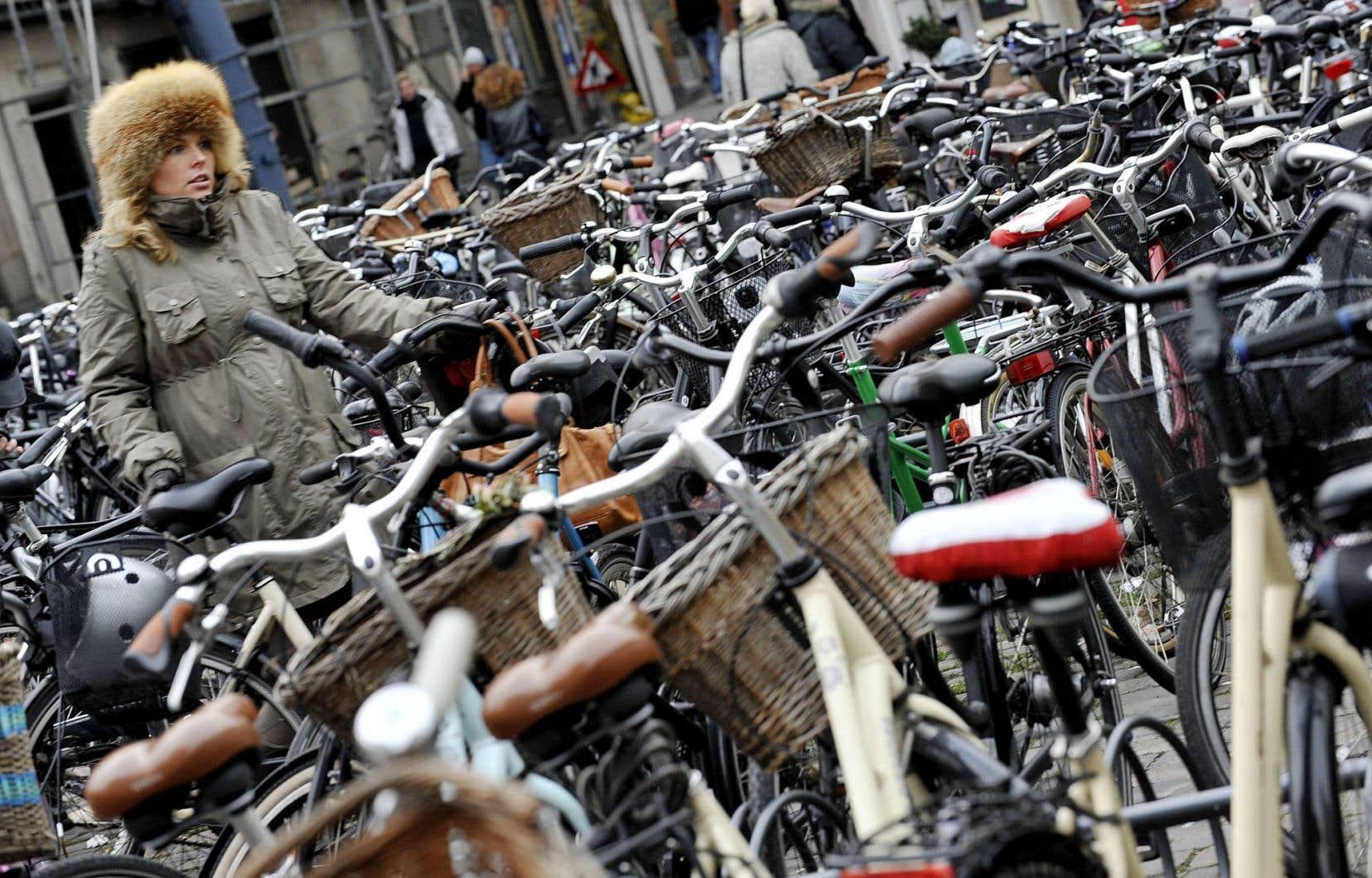 Été comme hiver, faire du vélo à Copenhague demeure l'option la plus simple pour les déplacements quotidiens.