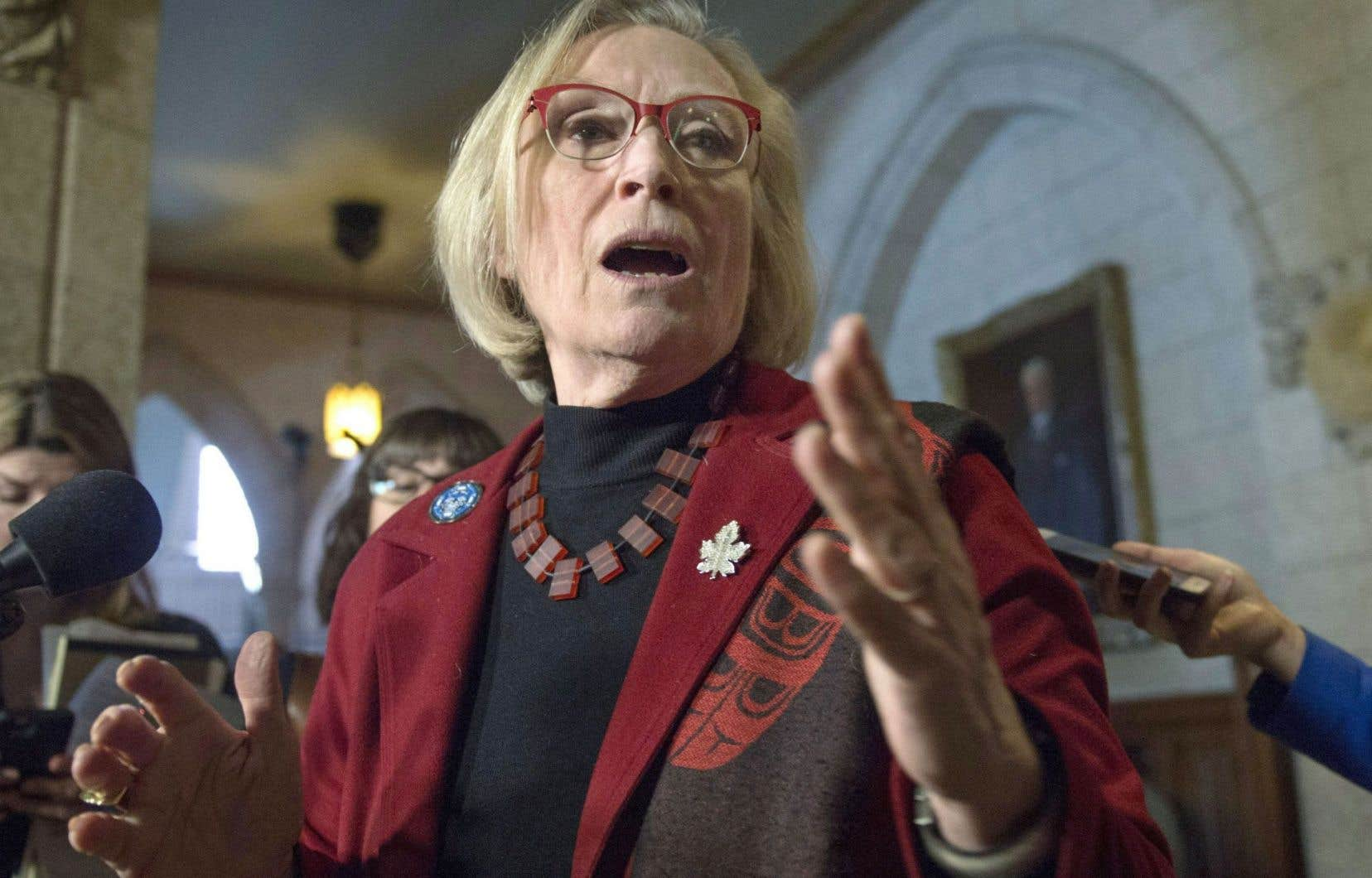 La ministre Carolyn Bennett a indiqué que son gouvernement n'avait «aucunement» l'intention d'en appeler du jugement.