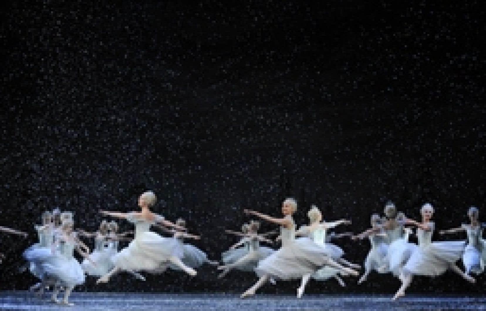 Des danseurs du Royal Ballet répètent leur version du Casse-Noisette de Tchaïkovski présentée depuis la mi-décembre au Royal Opera House de Covent Garden, à Londres. Contrairement à ce qui se passe dans certaines grandes villes des États-Unis, l