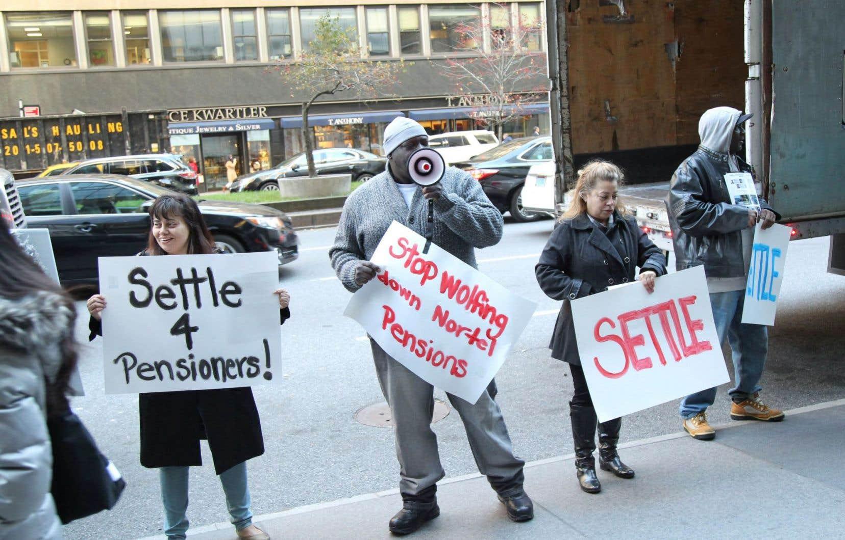 Ex-employés de Nortel manifestant à New York en 2015