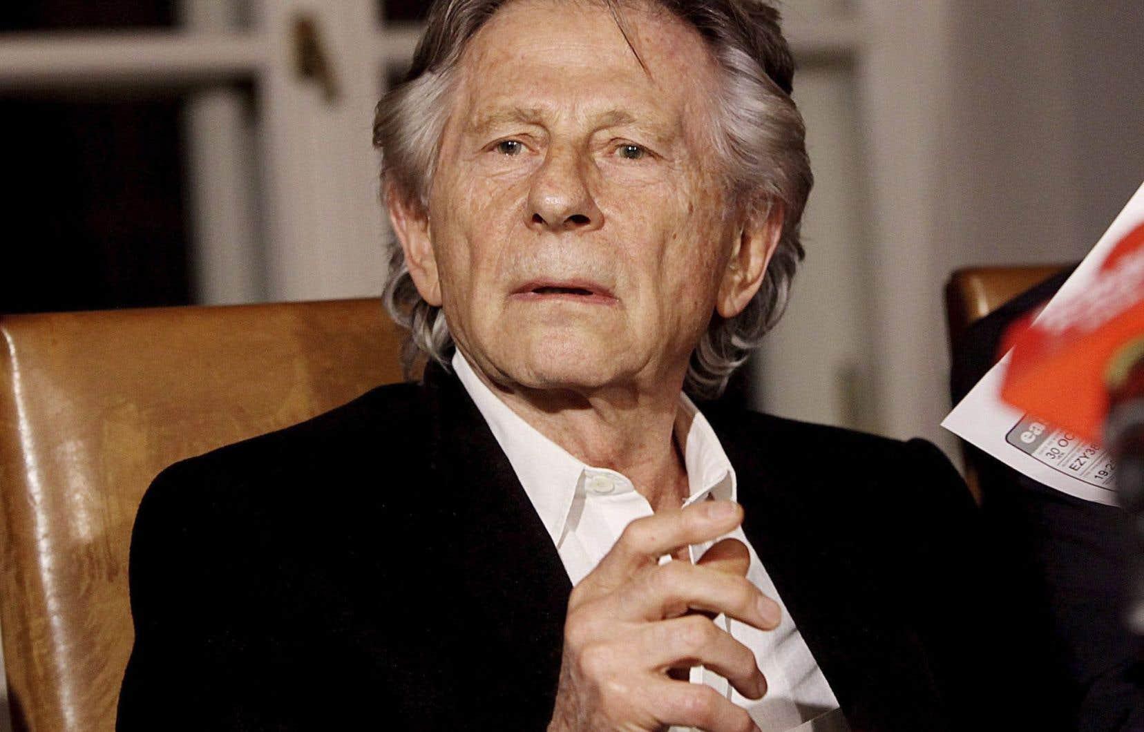 Naturalisé en 1976, Roman Polanski vit en France avec son épouse, l'actrice Emmanuelle Seigner.
