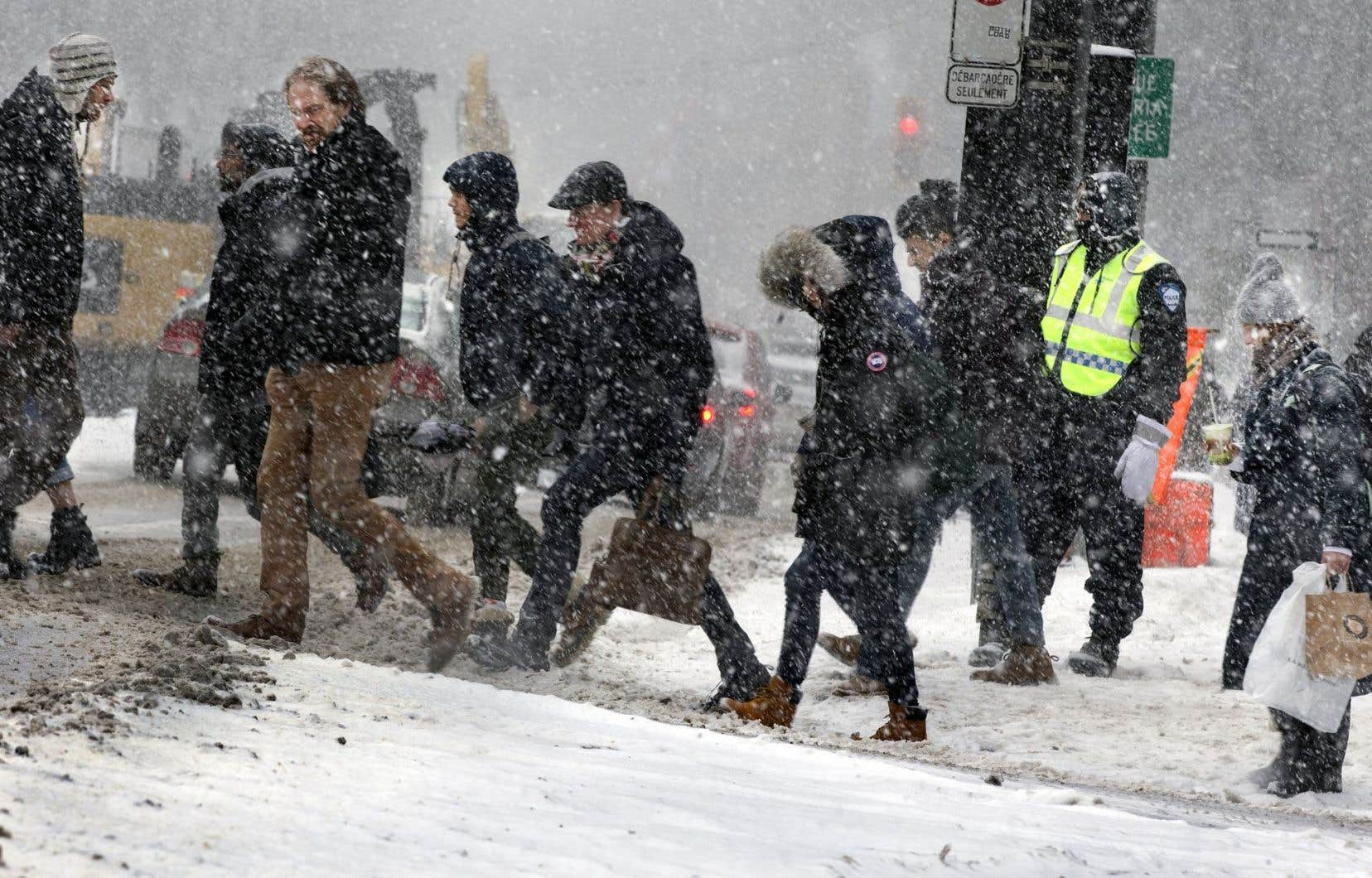 Circuler à pied l'hiver demeure difficile pour plusieurs, et particulièrement pour les personnes âgées et à mobilité réduite.