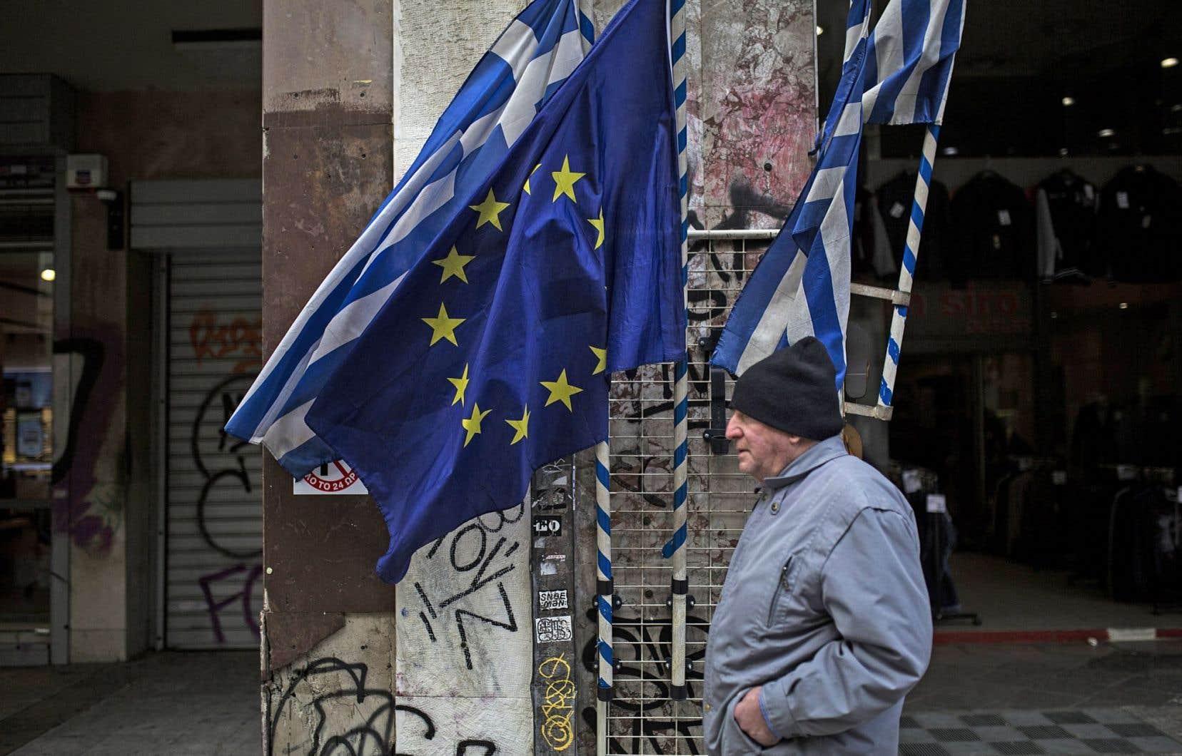 La place de la Grèce dans la zone euro suscite toujours des questions.