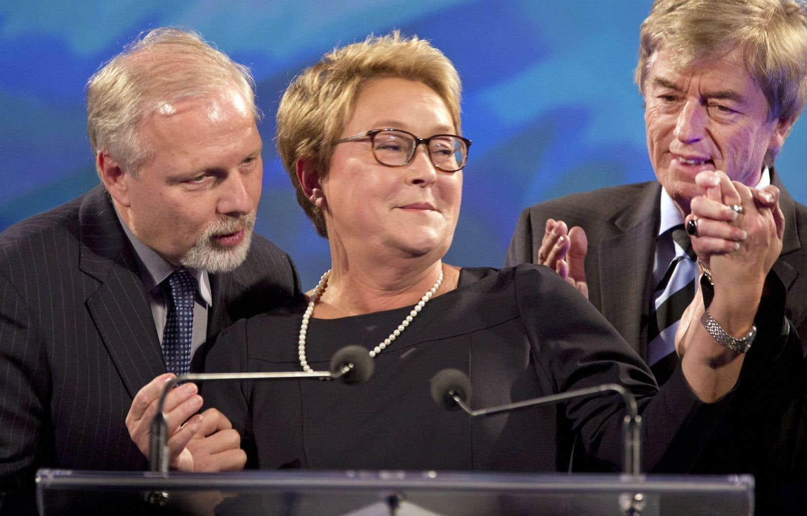 Le PQ a encaissé une défaite claire et qui était surtout imprévisible au moment du déclenchement de la campagne en 2014. Aux côtés de Pauline Marois, Jean-François Lisée et Claude Blanchet.