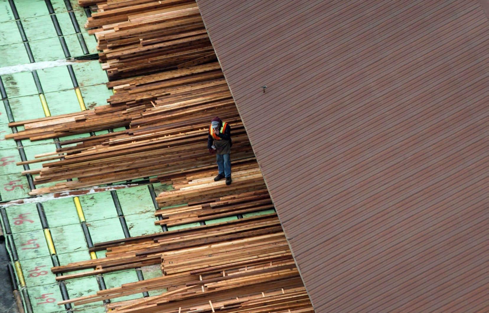 L'accord canado-américain sur le bois d'œuvre est échu.