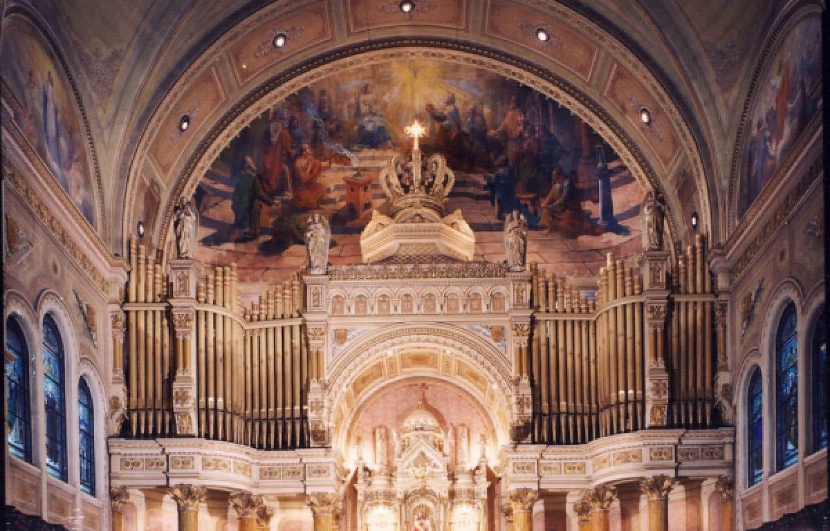Ce sont nos ancêtres qui ont sué sang et eau pour construire et décorer cette merveille. Ils étaient 5000 paroissiens.