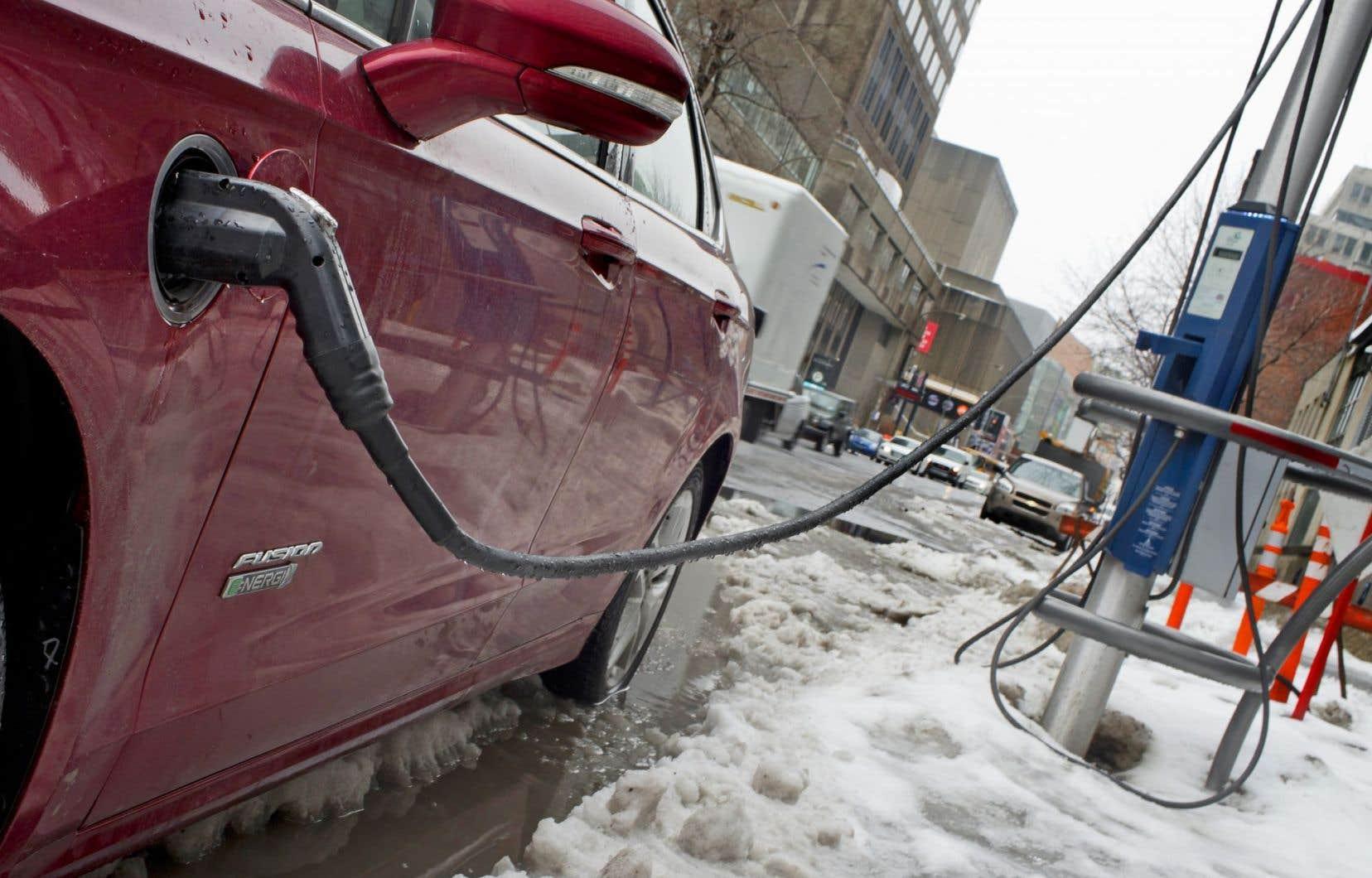 Québec souhaite voir sur les routes québécoises 100000 véhicules électriques en 2020.