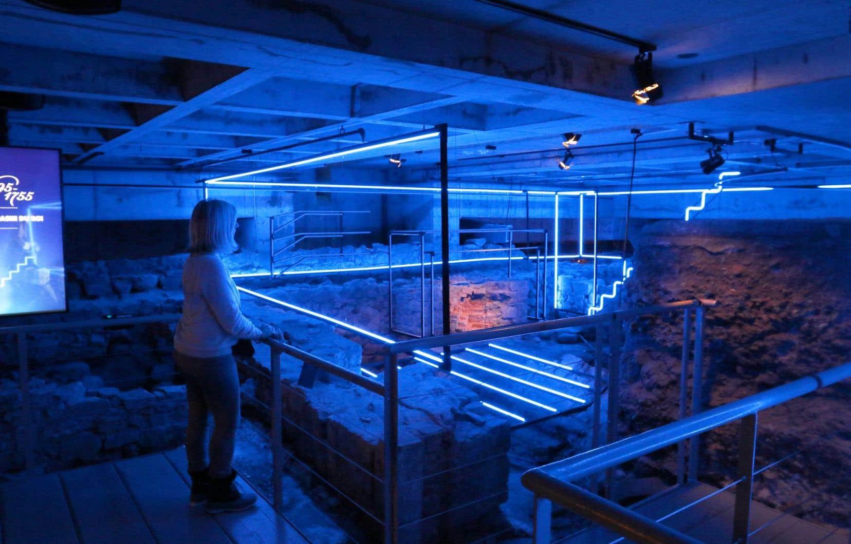 Le renouvellement du système d'éclairage permet de mieux visualiser la succession des différents emplacements de l'exposition permanente.