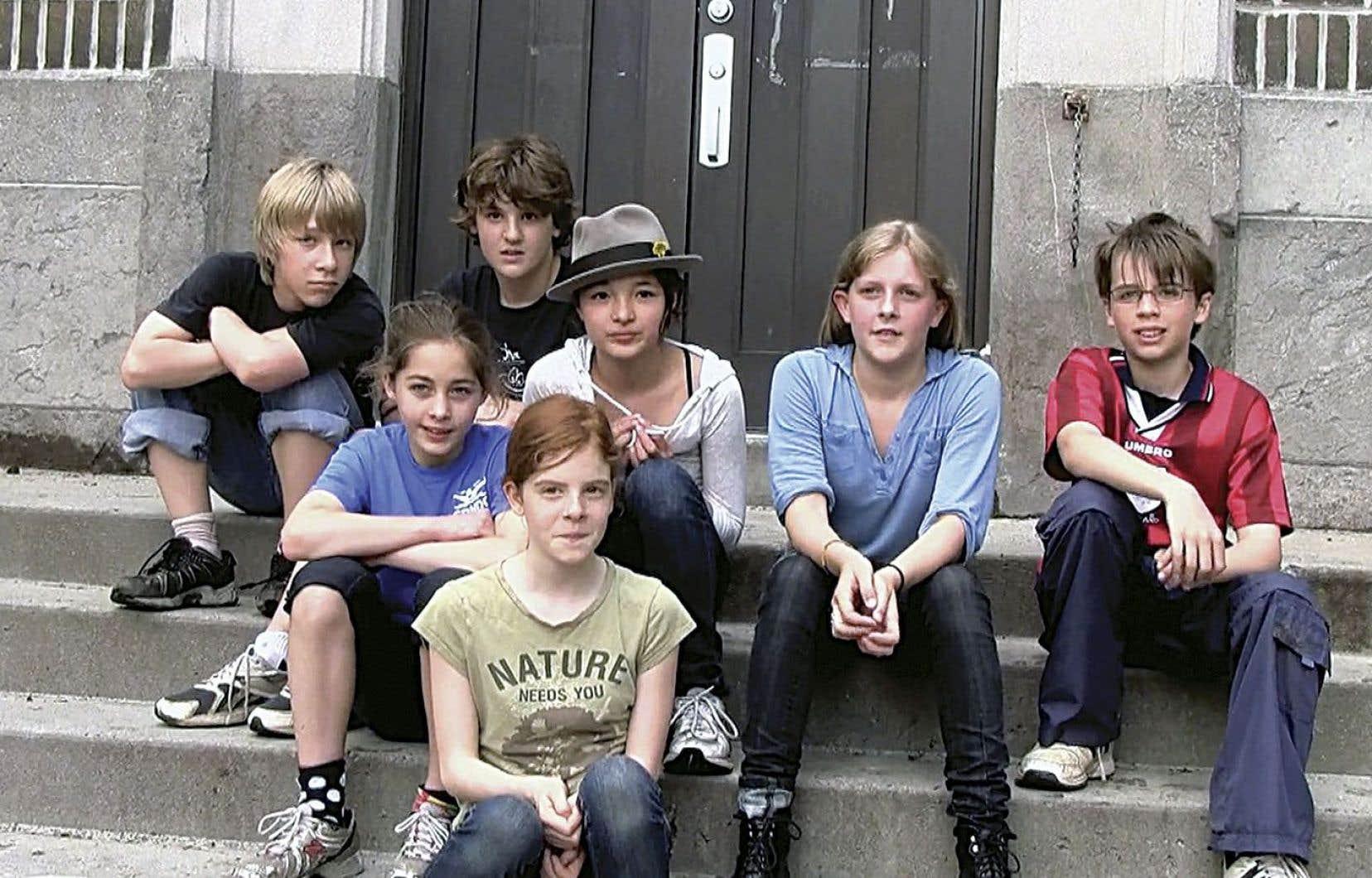 «Il était 6 fois» suit une poignée d'enfants à l'école primaire alternative L'Étoile filante, de Notre-Dame-de-Grâce.