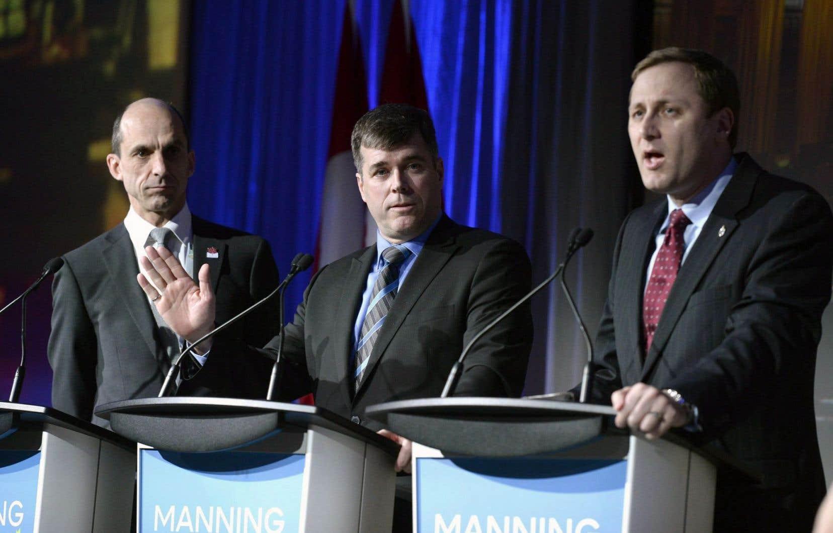 Steven Blaney, Pierre Lemieux et Brad Trost, lors d'un débat du Parti conservateur le 24 février 2017