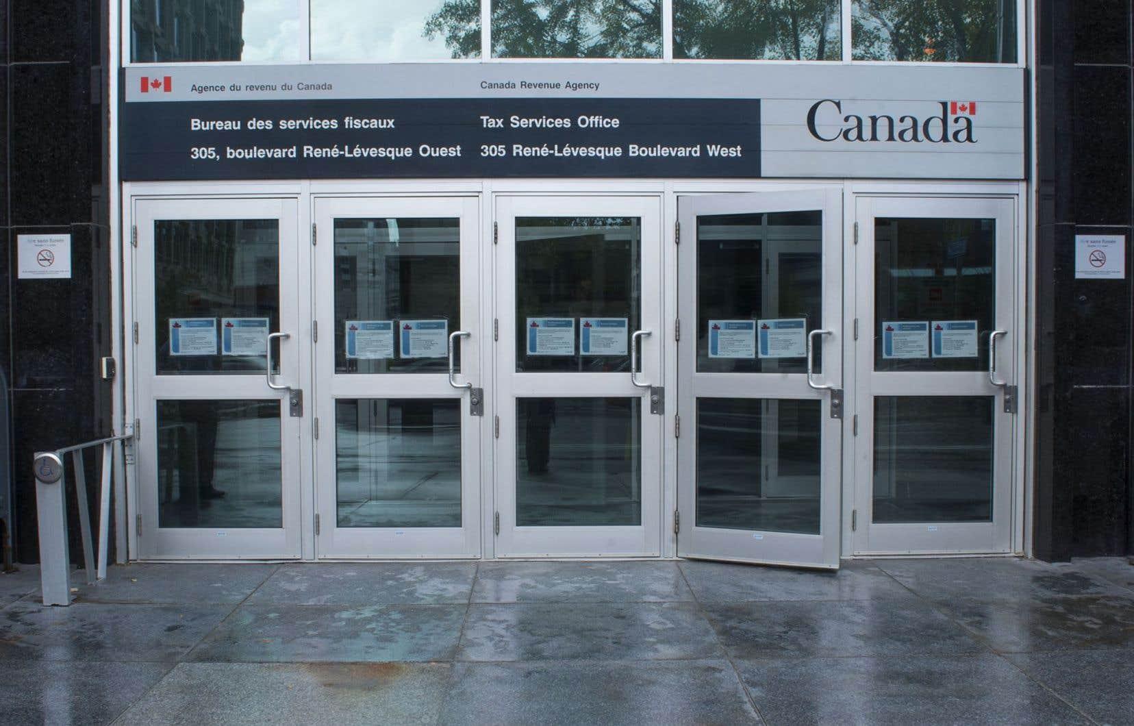Le reportage de l'émission «Enquête» a révélé que de riches Canadiens ont évité de payer de l'impôt au pays en utilisant les services de la firme KPMG.