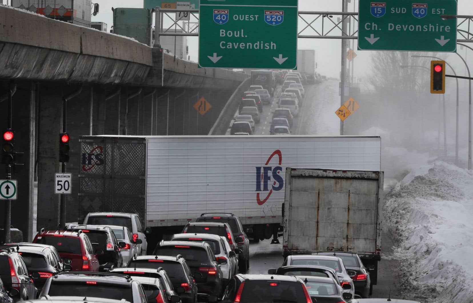 L'autoroute 520 Est a été ajoutée, car elle est devenue bloquée à la suite du refoulement de l'autoroute 13, dans les mêmes circonstances.