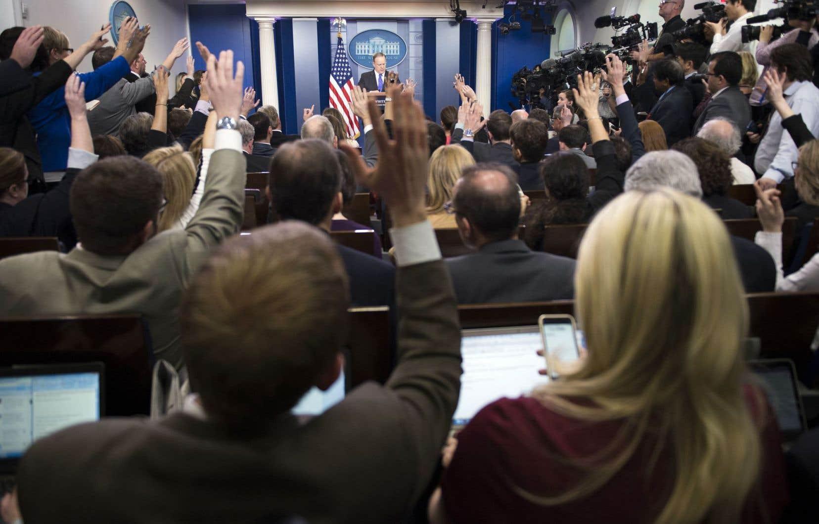L'ère des «fausses nouvelles»: «Les journalistes vivent avec ça cette année, c'est le sujet de l'heure, dans les conférences, il y a beaucoup d'ateliers sur l'effet des fausses nouvelles, ça teinte le métier.»