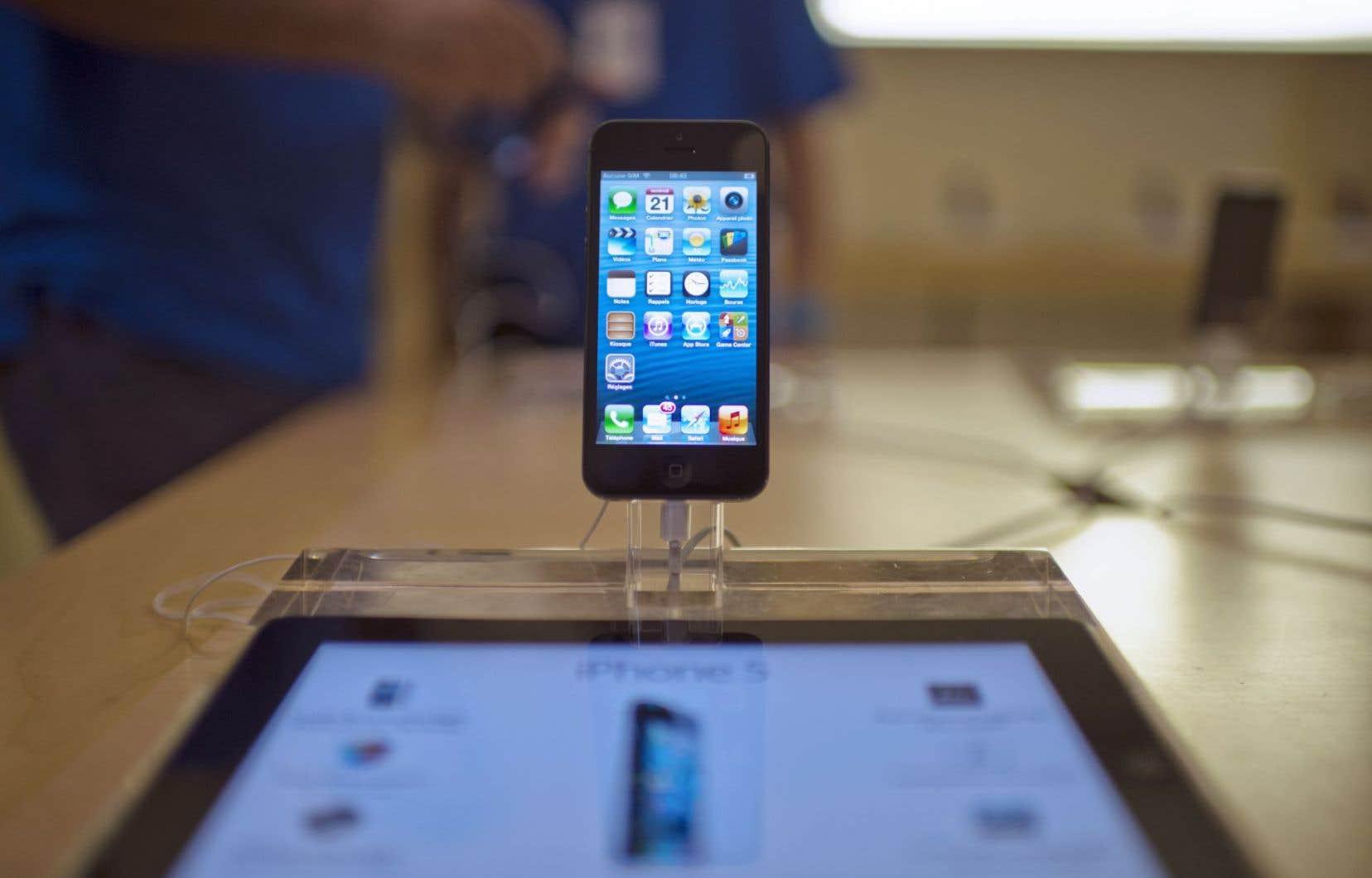 Un des manuels rendus publics par WikiLeaks montre que la CIA avait conçu un outil de piratage dès 2008 pour l'installer physiquement sur des iPhone neufs.<br />