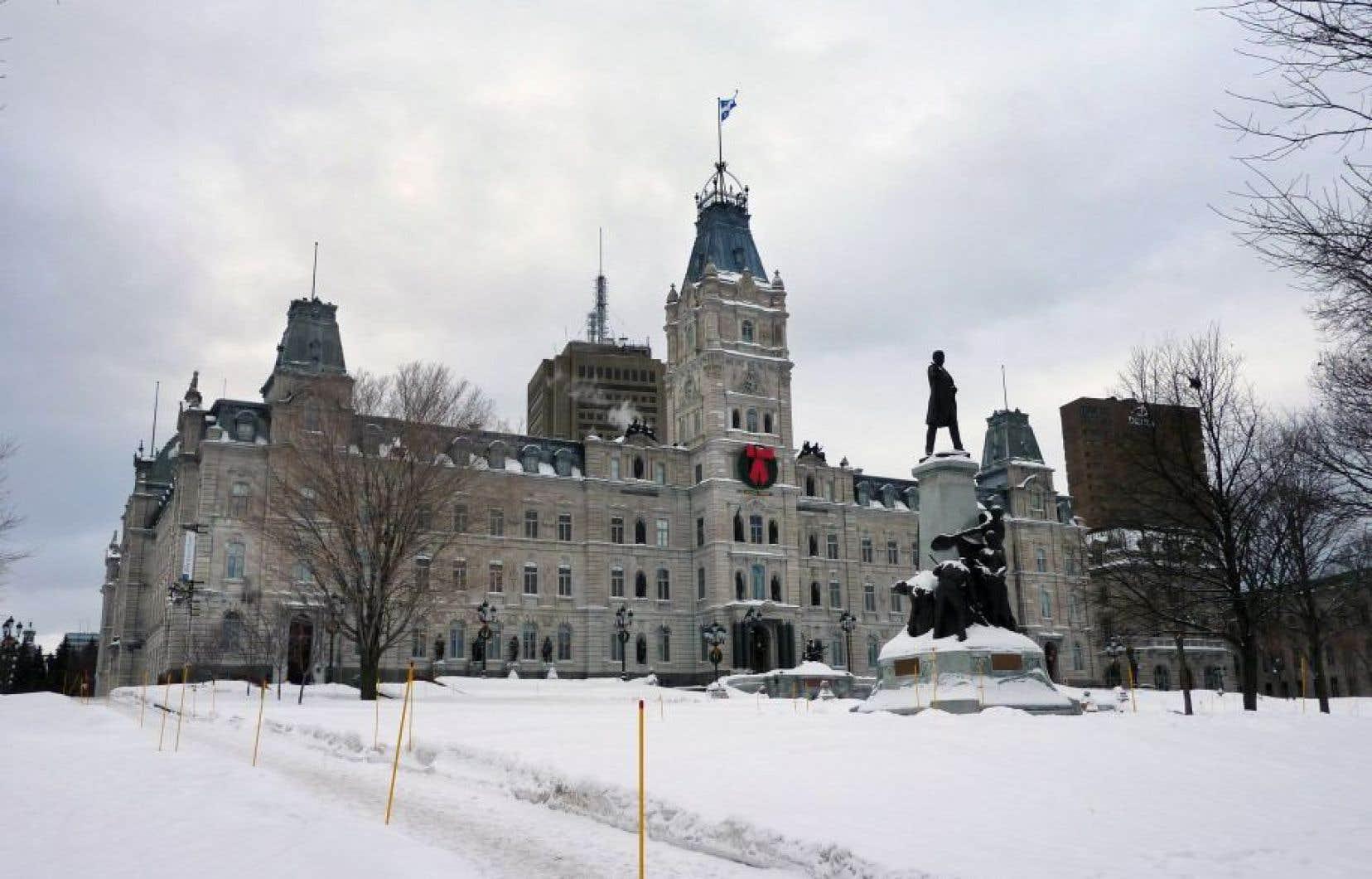 Depuis son élection en avril2014, le gouvernement libéral a procédé à 1496 nominations, dont 46 seulement concernent des personnes issues des minorités visibles, selon les calculs de Québec solidaire.