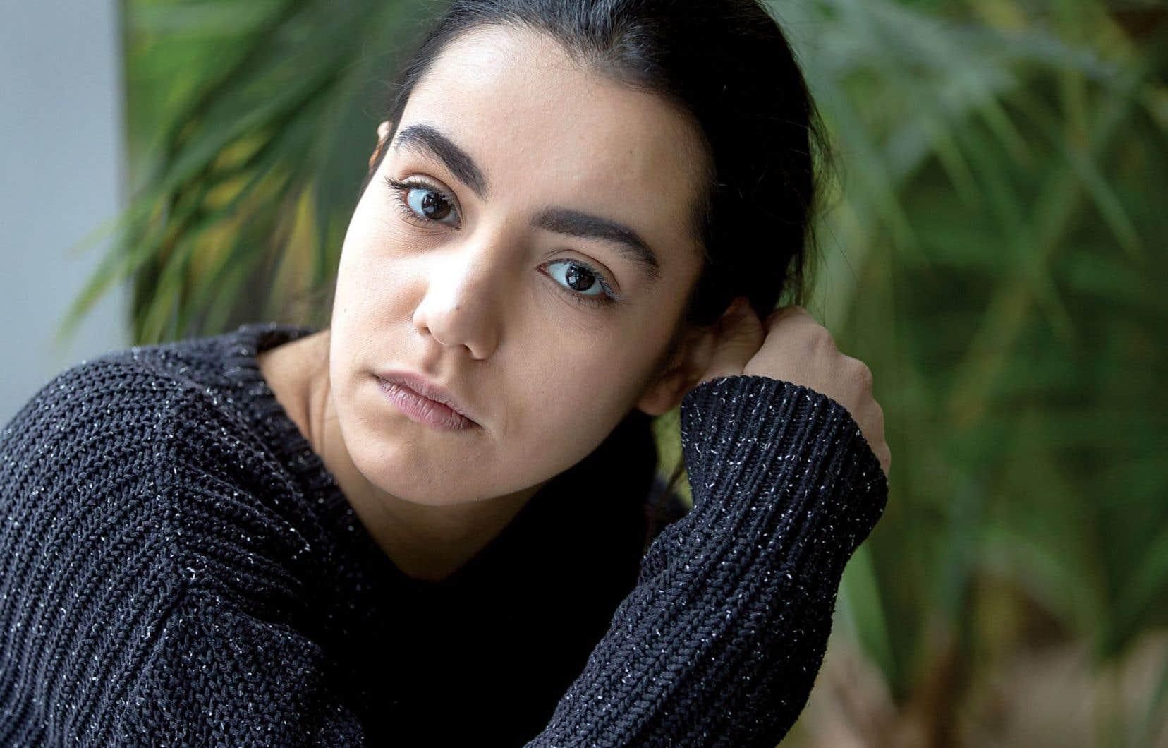 Avec son bagage d'étudiante en journalisme, Lina El Arabi ne choisit pas ses rôles à la légère.