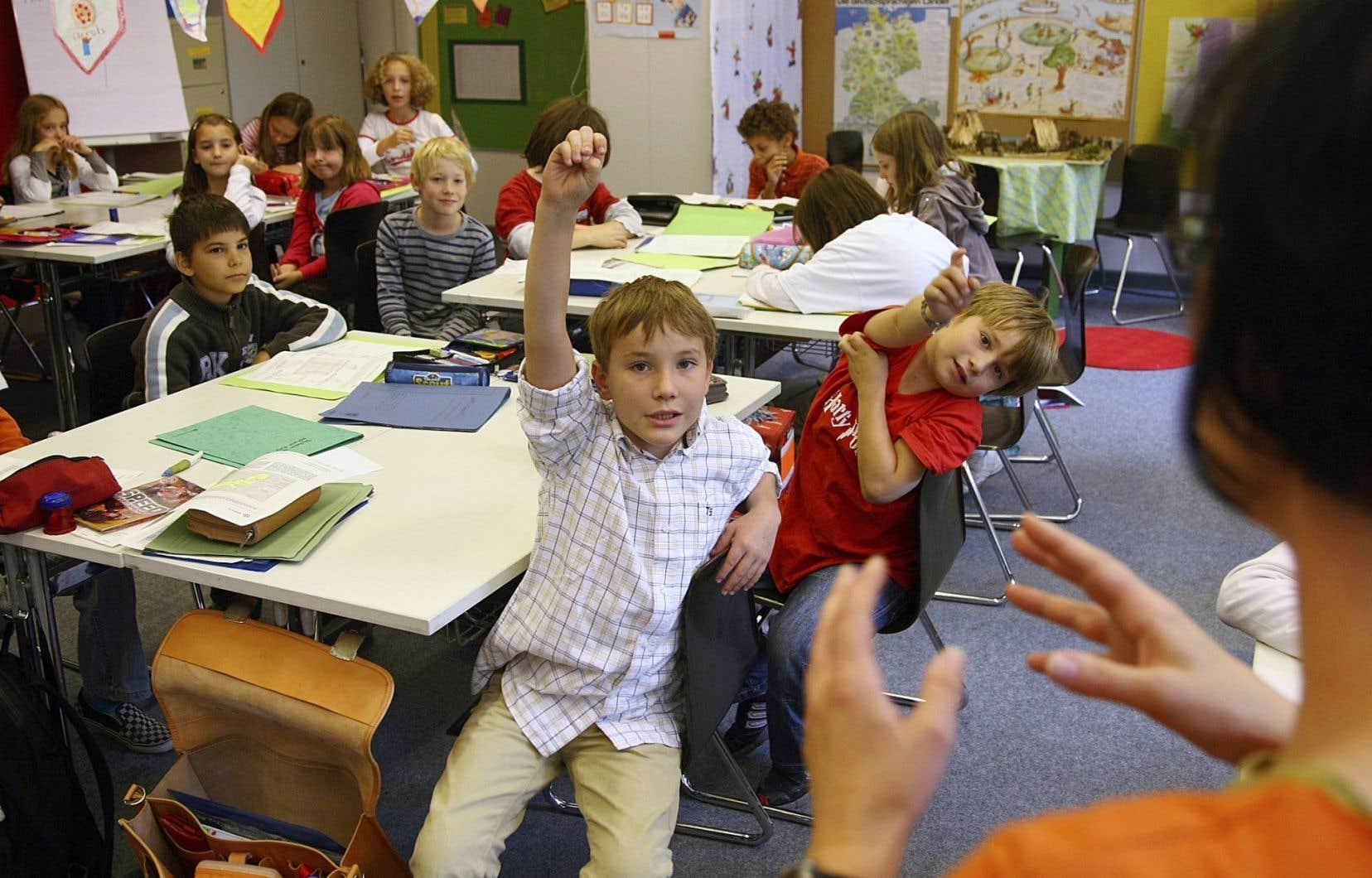 Sébastien Proulx promet que toutes les classes de maternelle et de première année auront deux titulaires d'ici cinq ans.