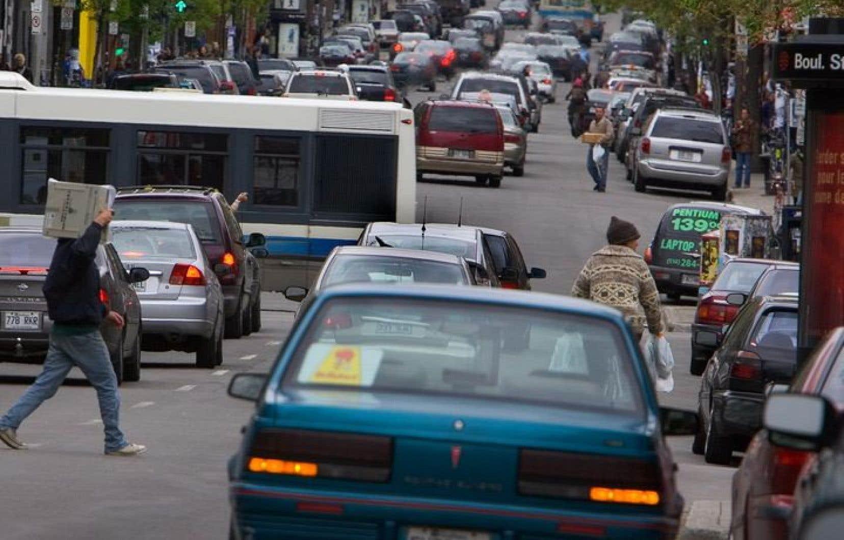 <p>La SAAQ note toutefois une hausse <em>«préoccupante»</em> de 40 % du nombre de décès de piétons et de 7,6 % chez les motocyclistes.</p>
