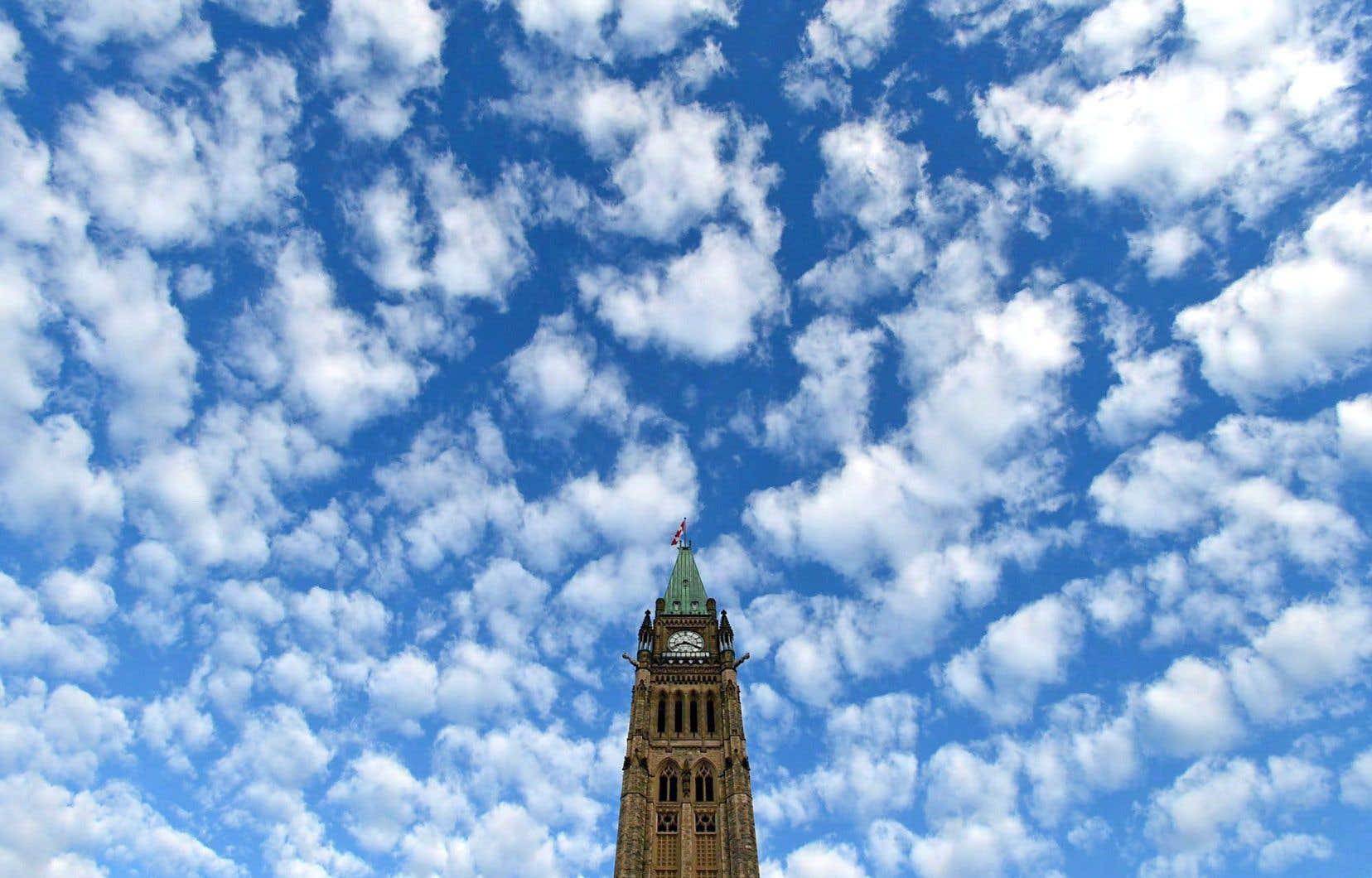 Des antennes installées au centre-ville d'Ottawa auraient servi cet hiver à intercepter des transmissions cellulaires aux alentours du Parlement canadien.