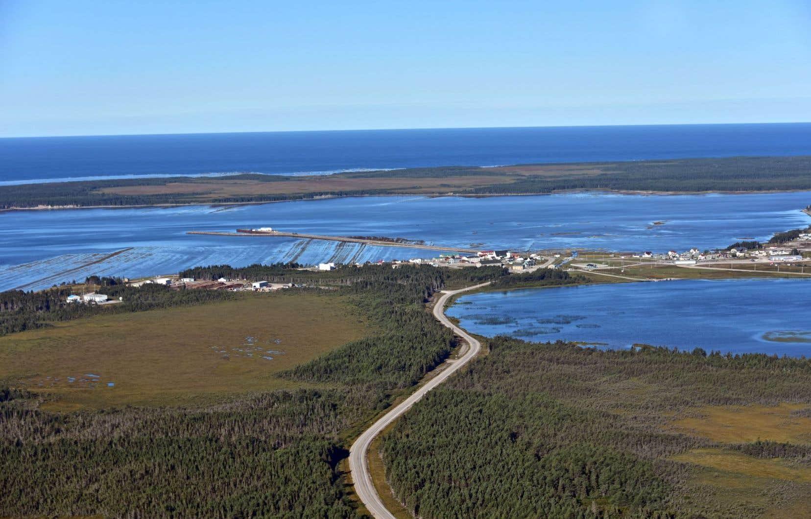 Québec a promis de mettre fin à tous les projets de recherche d'énergies fossiles et de protéger intégralement l'île d'ici 2020. Il pourrait pour cela devoir négocier avec Junex.